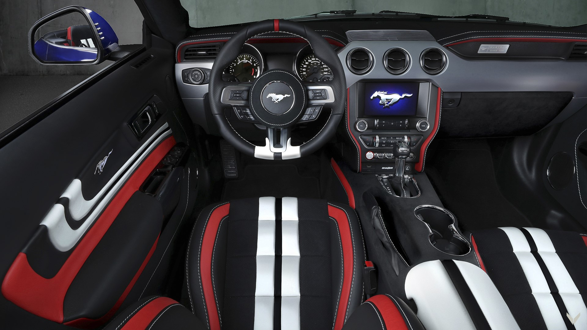 Ford_Mustang_GT_Convertible_Combo_19