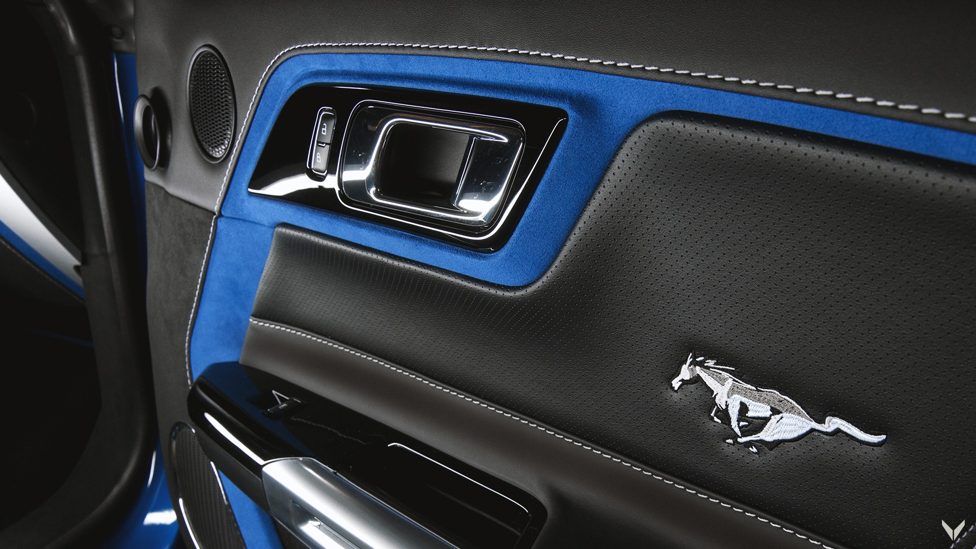 Ford_Mustang_GT_Convertible_Combo_9