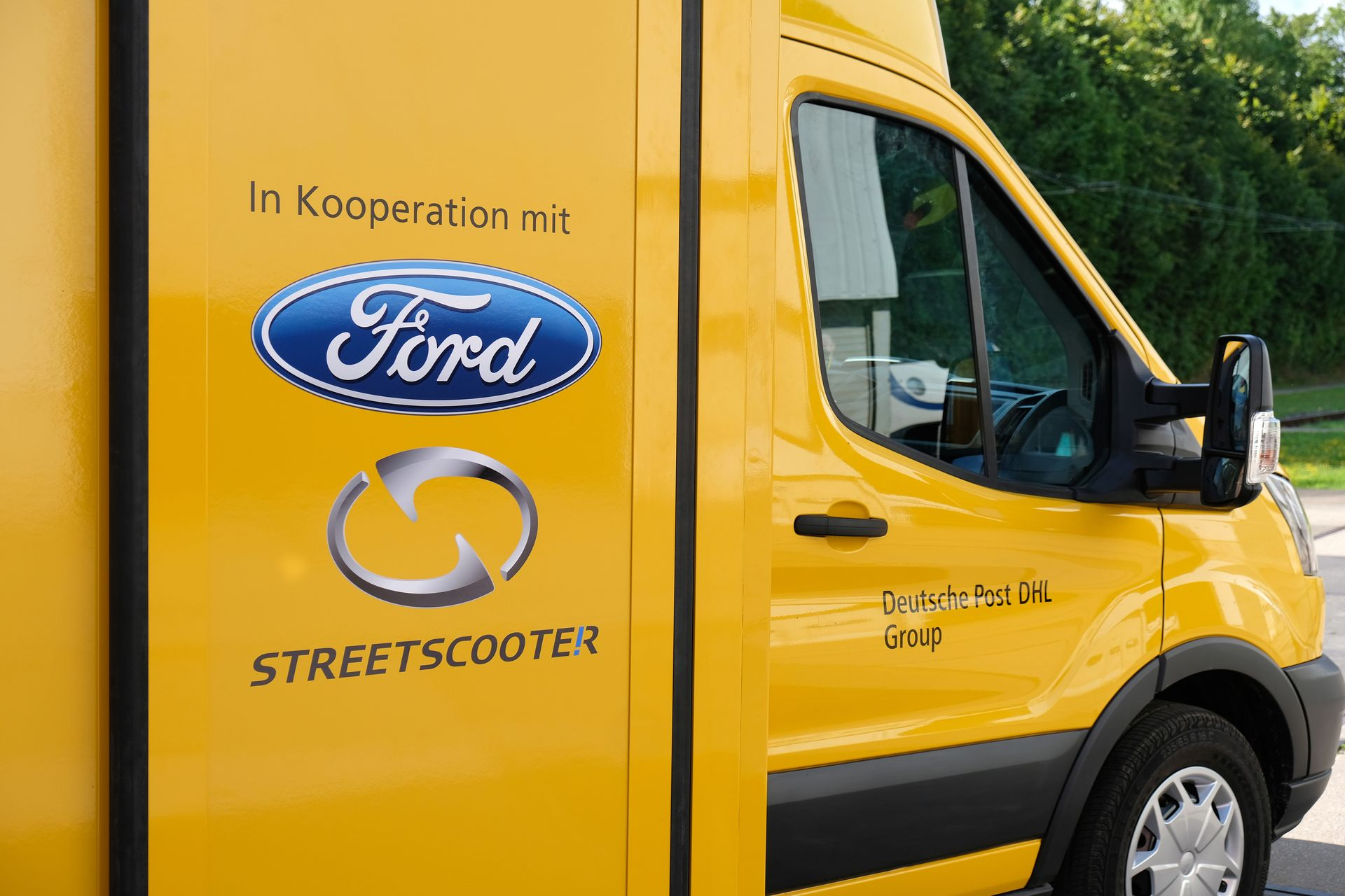 Deutsche Post DHL Group and Ford Unveil the Early Build StreetSc