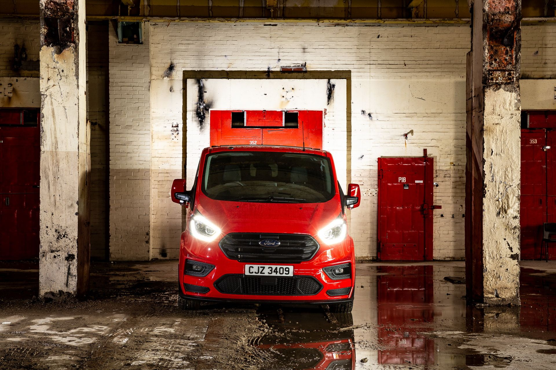 Ford_Transit_by_MS-RT_0034