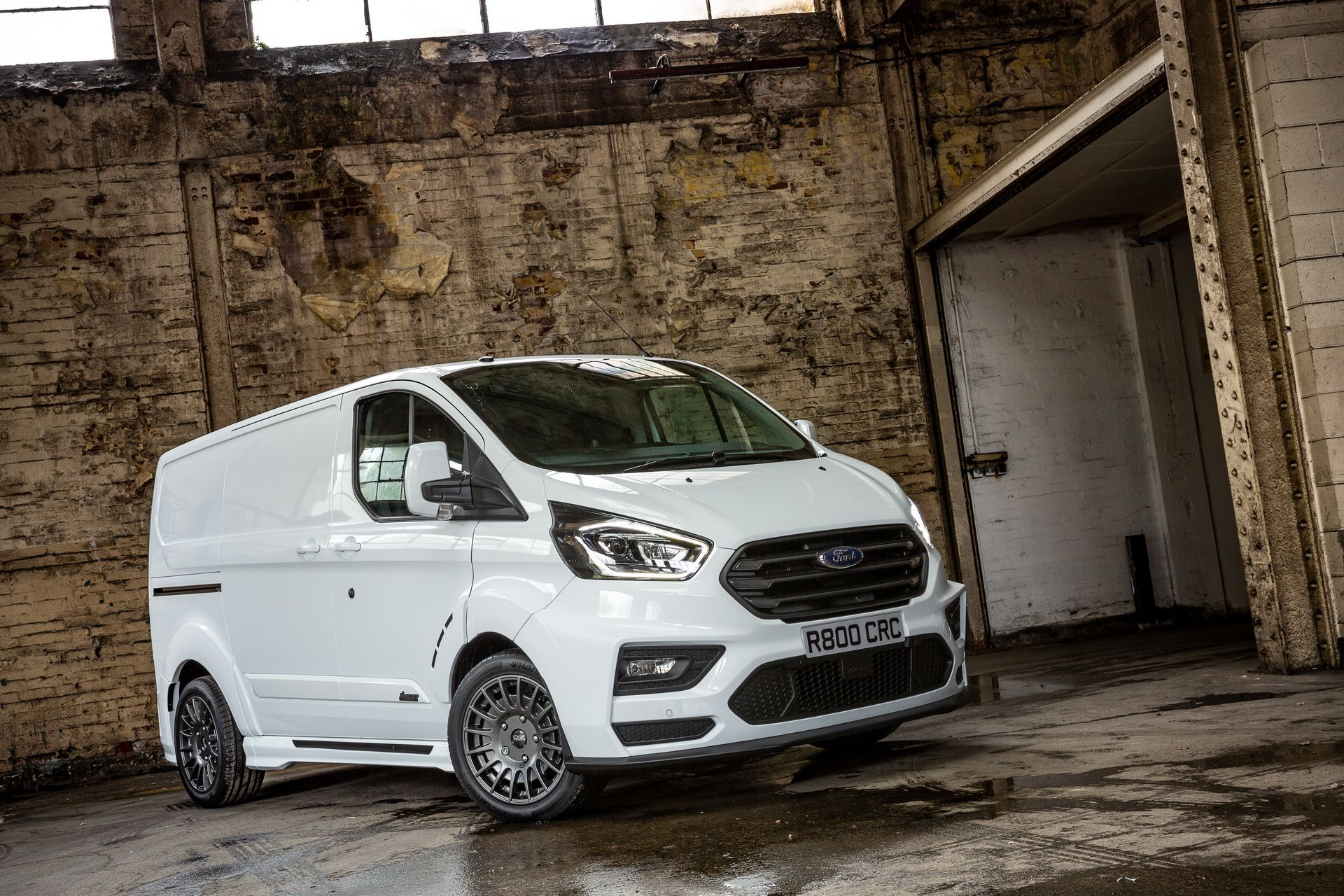 Ford_Transit_by_MS-RT_0053