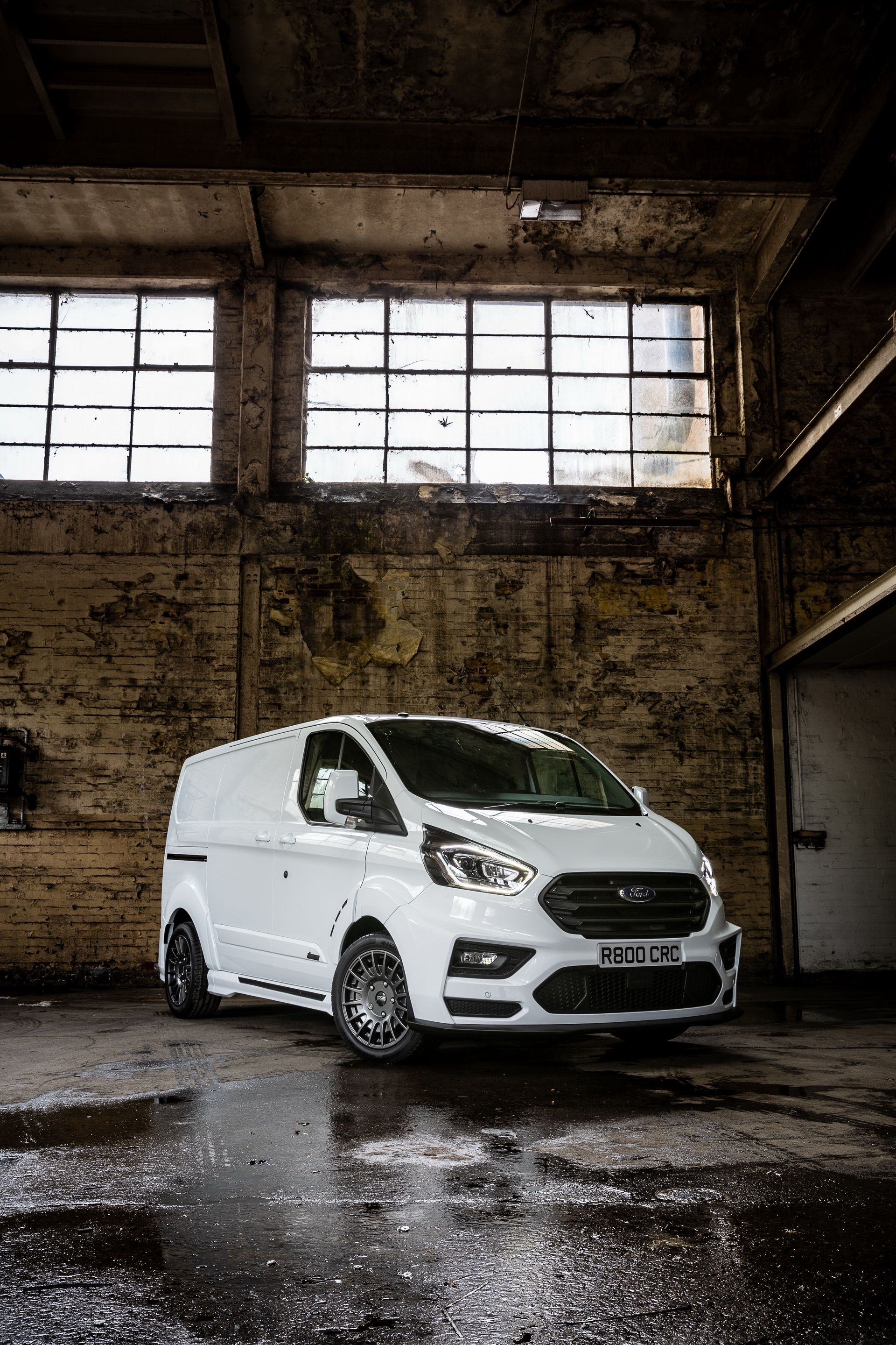Ford_Transit_by_MS-RT_0054