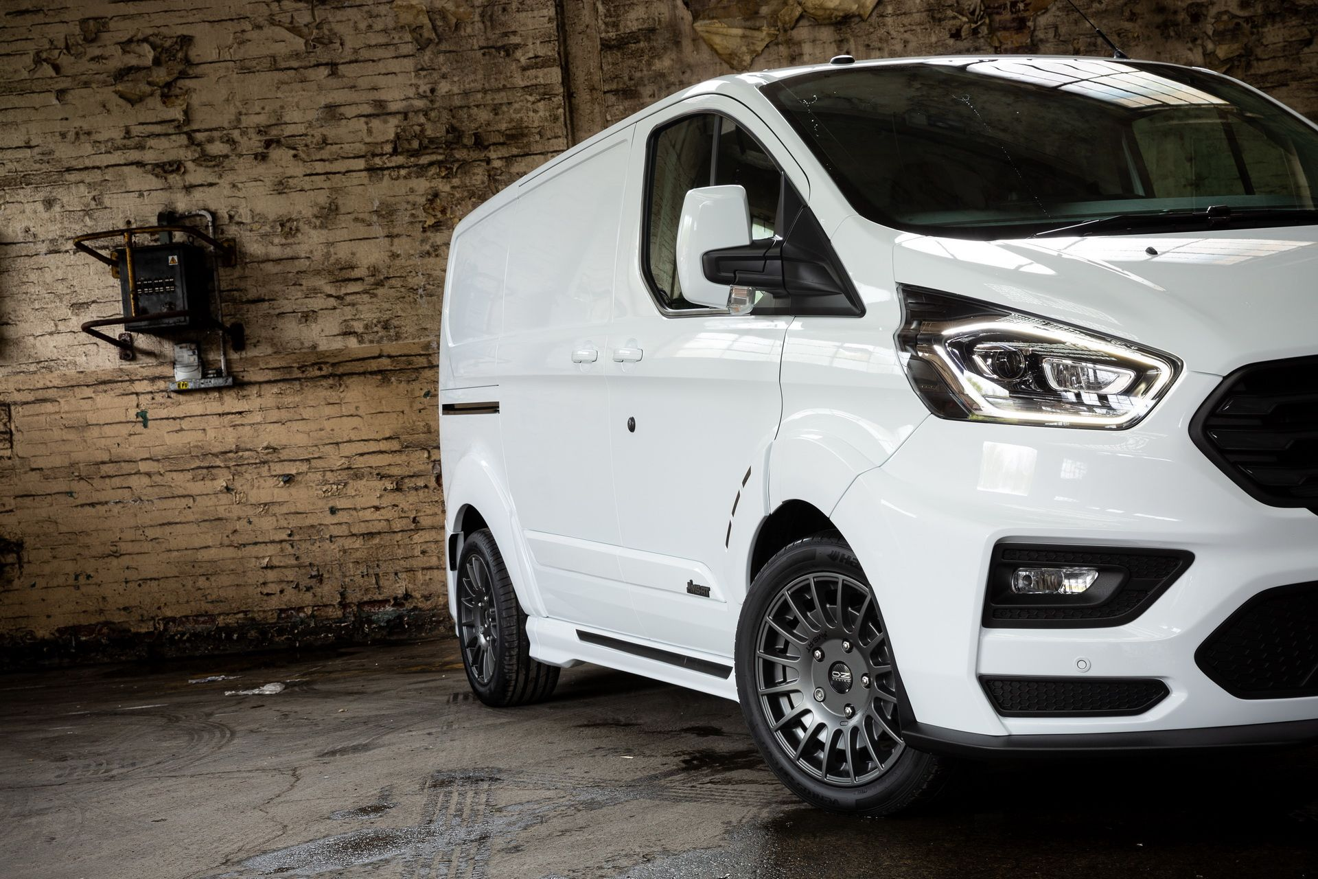 Ford_Transit_by_MS-RT_0055