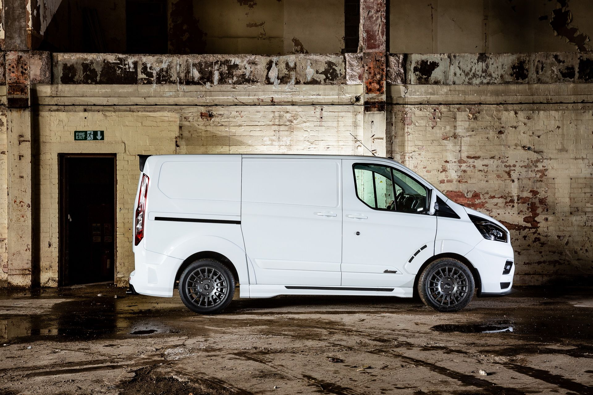 Ford_Transit_by_MS-RT_0070