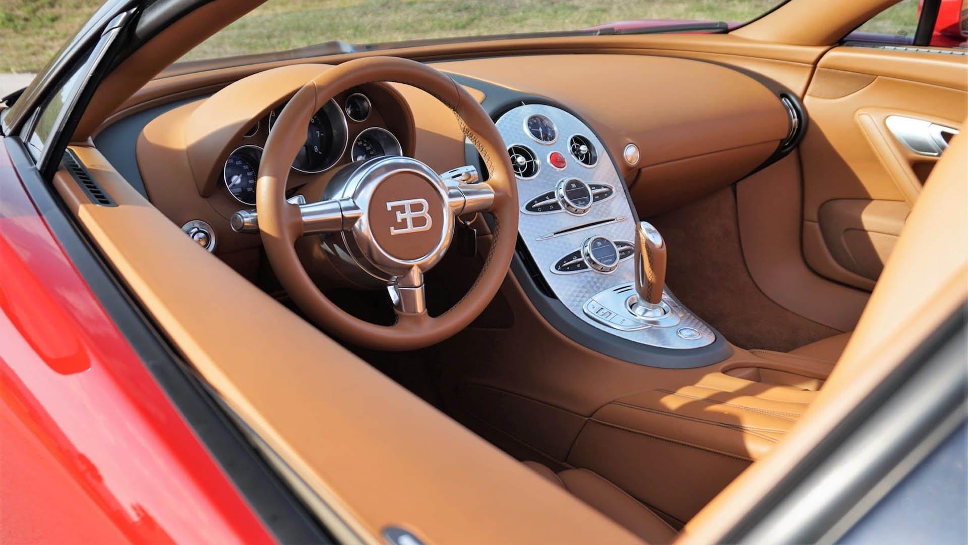 139f07da-bugatti-veyrons-mecum-monterey-04