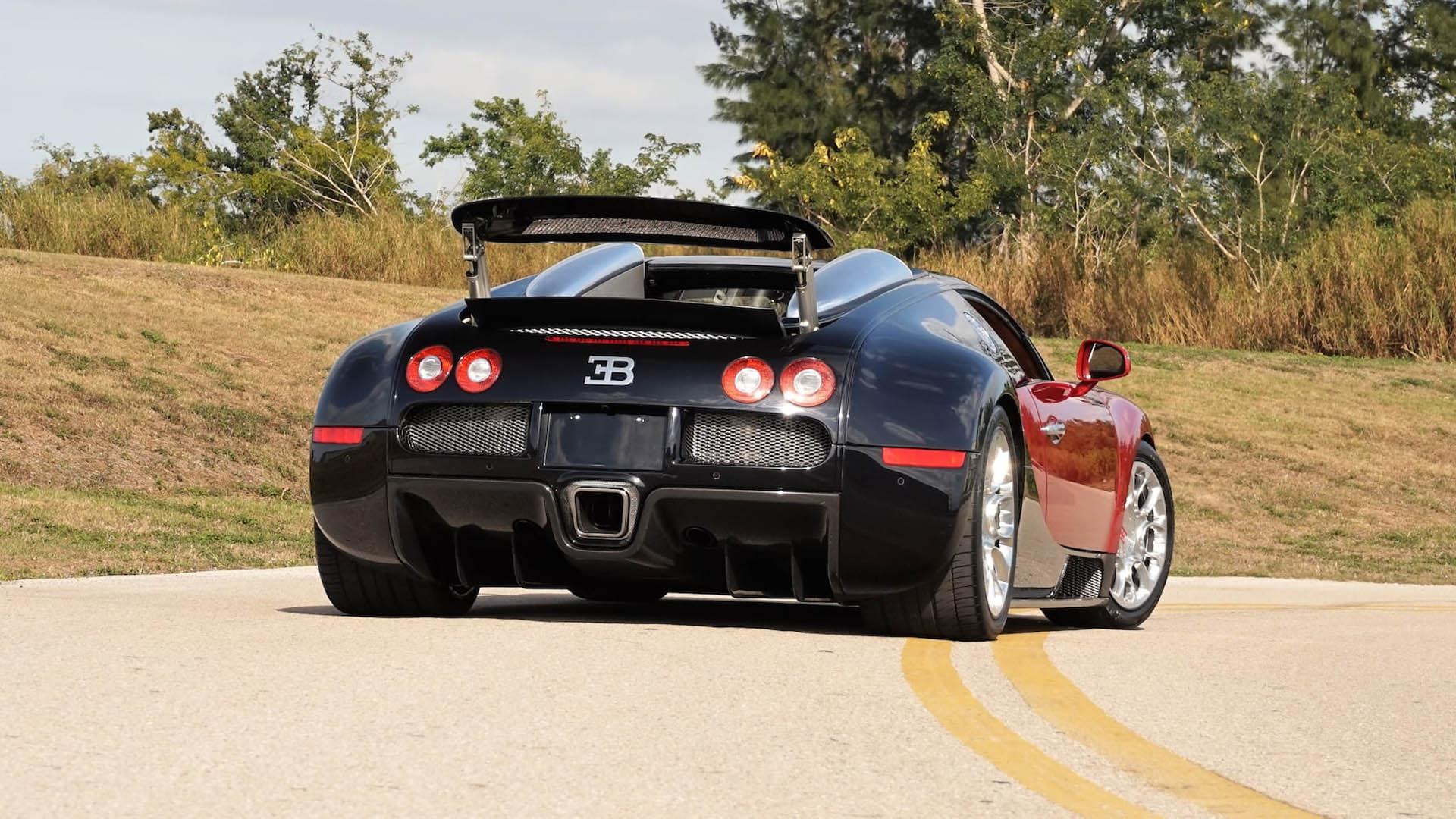 31c63cec-bugatti-veyrons-mecum-monterey-05