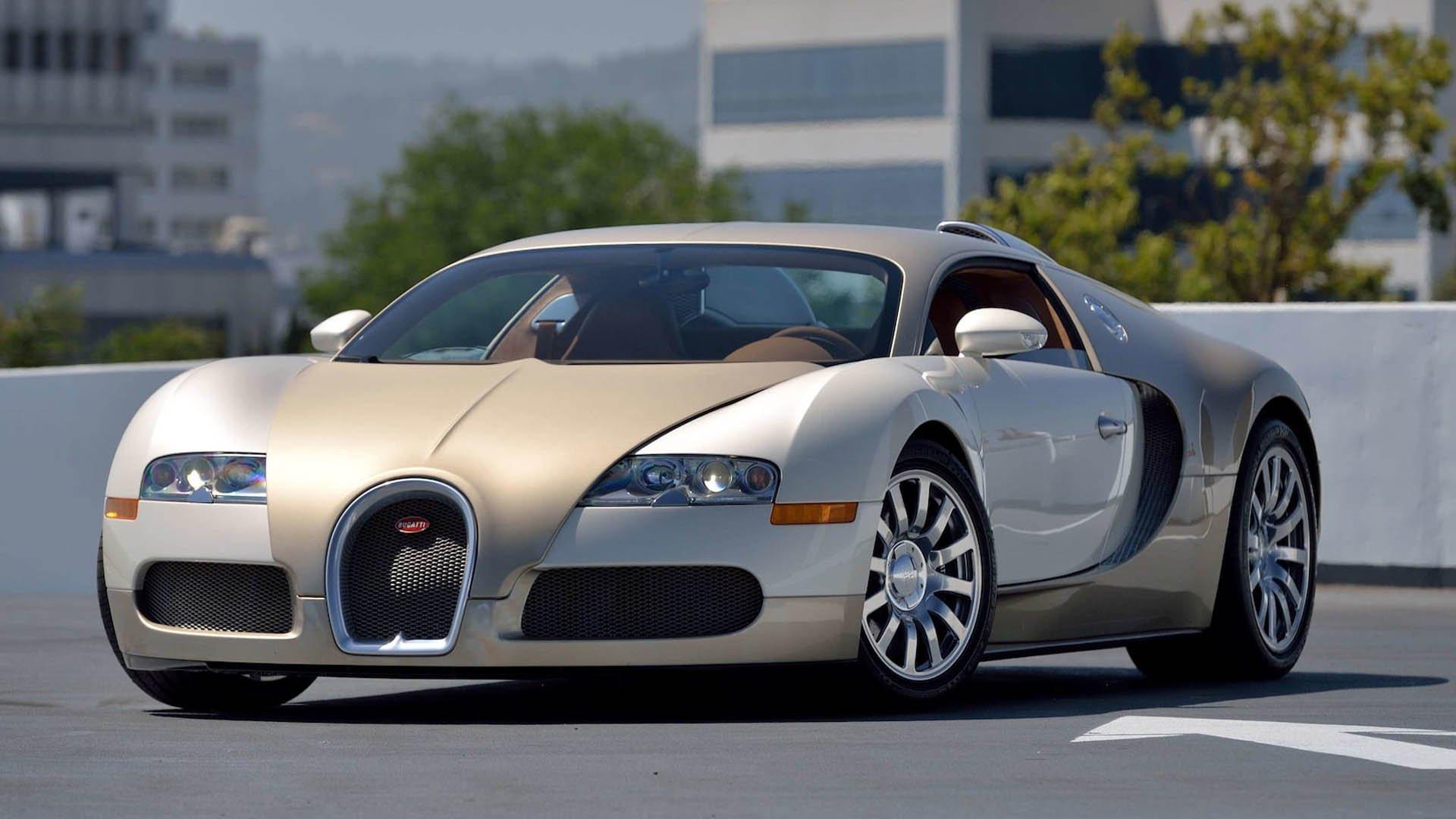 53eeb2b4-bugatti-veyrons-mecum-monterey-09