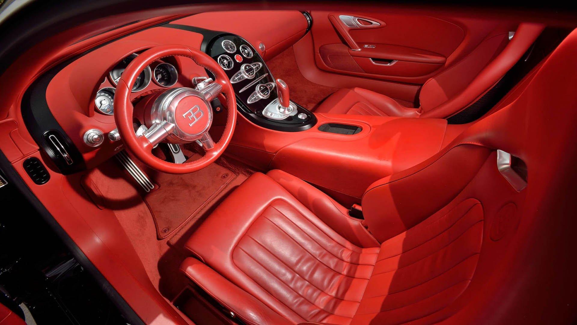 7a3cc232-bugatti-veyrons-mecum-monterey-01