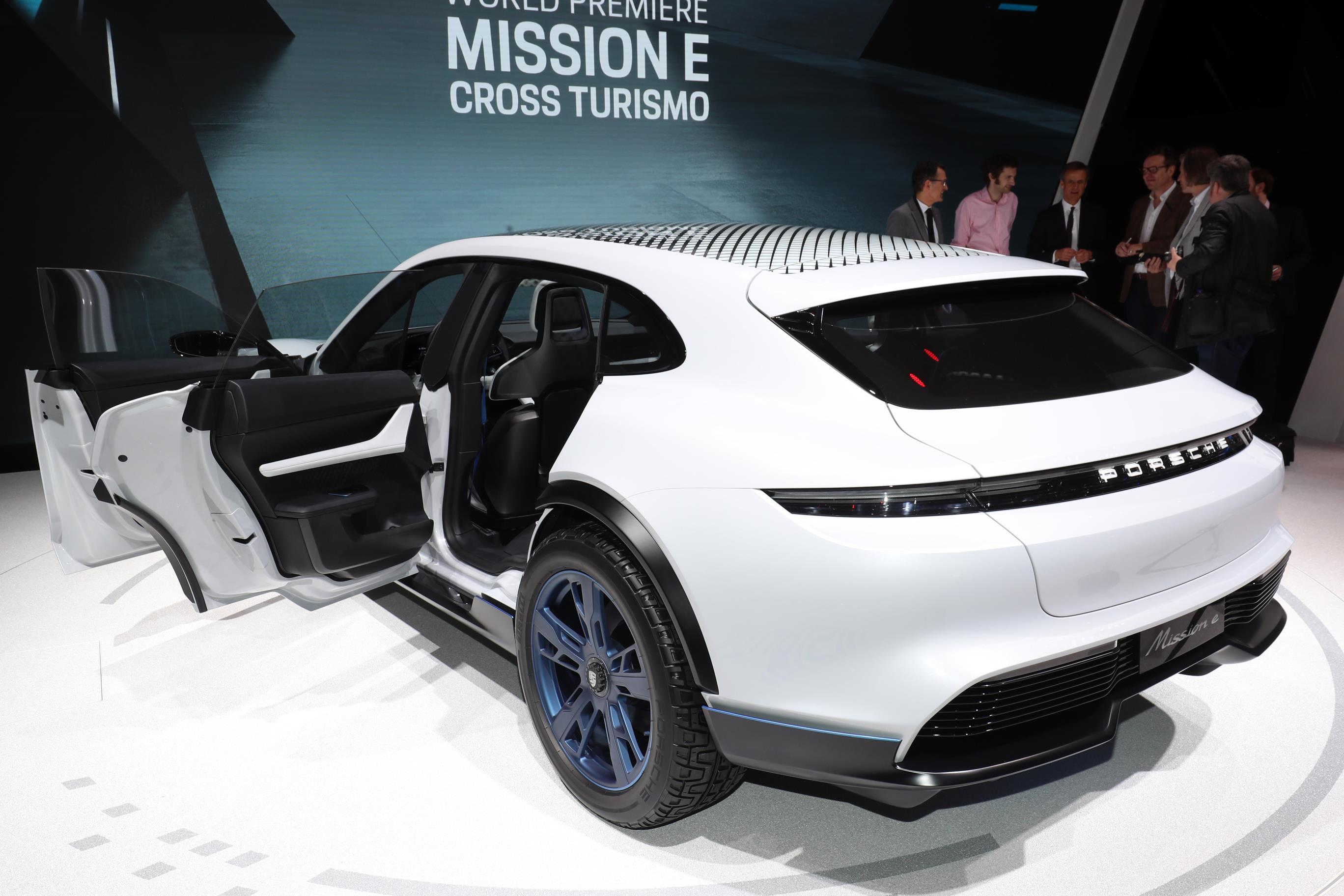 Geneva Motor Show 2018 Mega Gallery Part 1 (257)