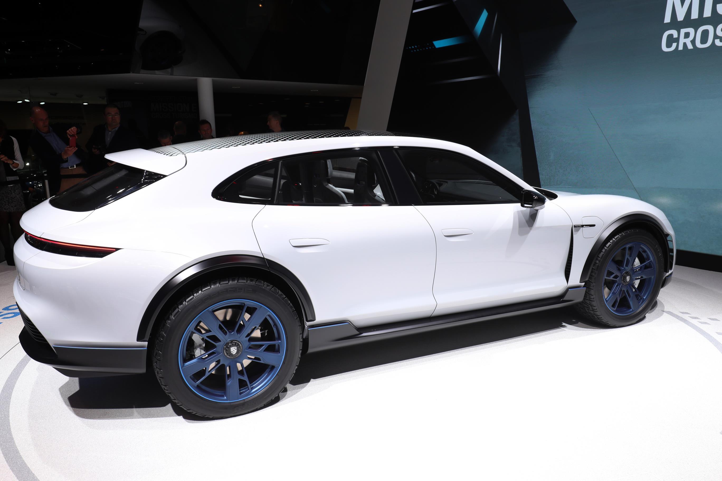 Geneva Motor Show 2018 Mega Gallery Part 1 (260)