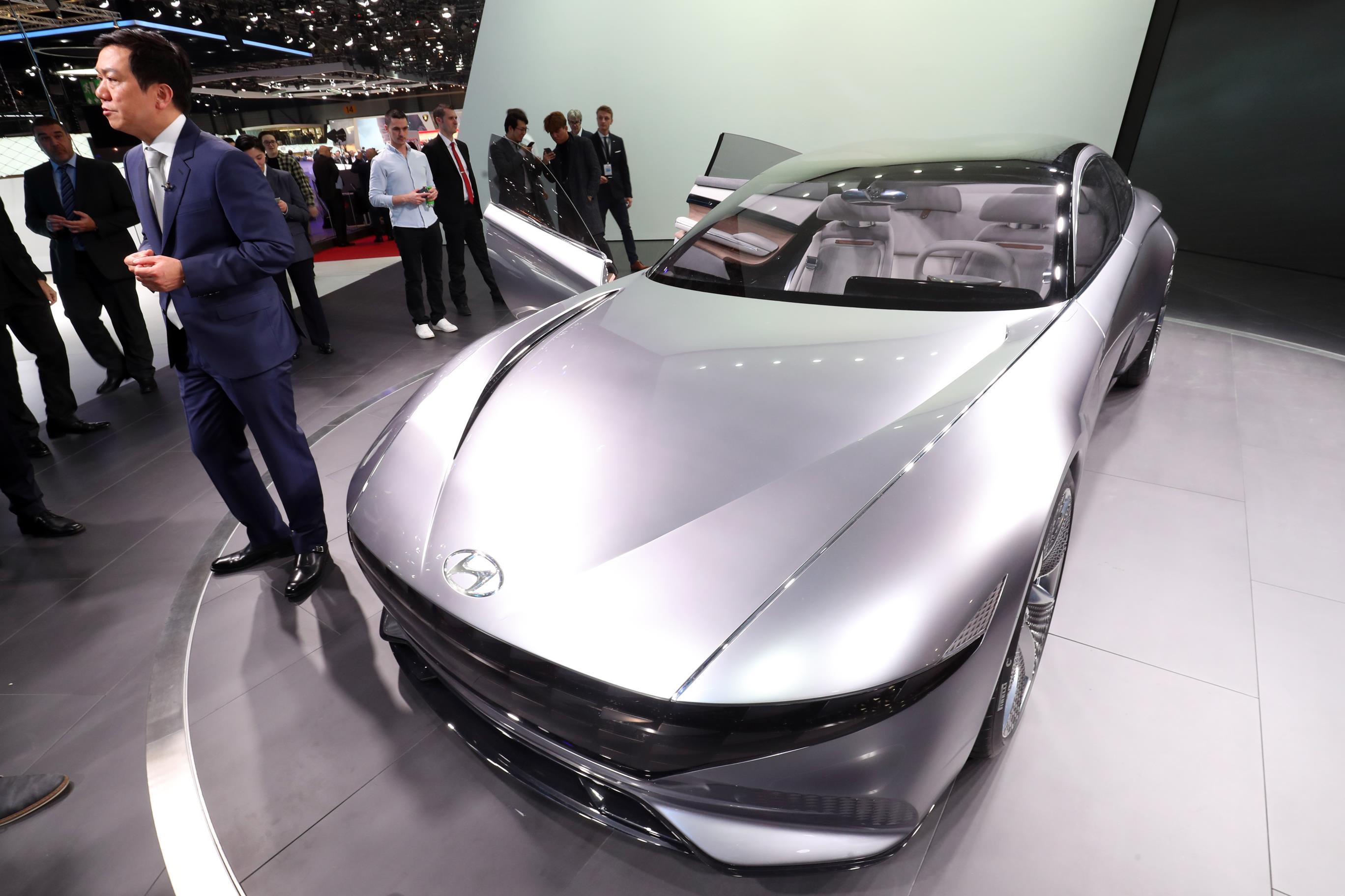 Geneva Motor Show 2018 Mega Gallery Part 1 (263)
