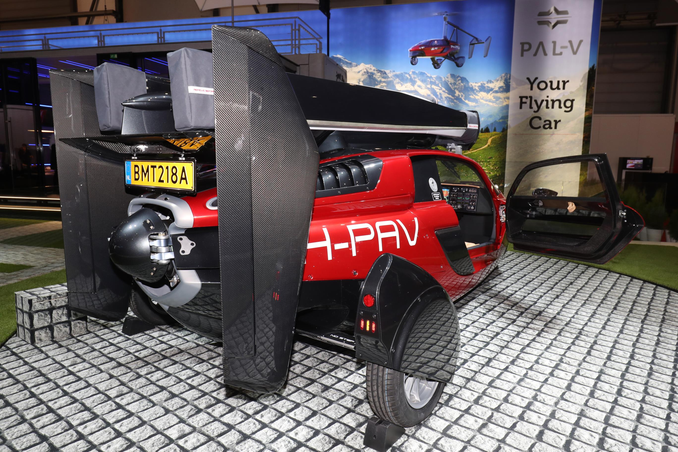 Geneva Motor Show 2018 Mega Gallery Part 1 (267)