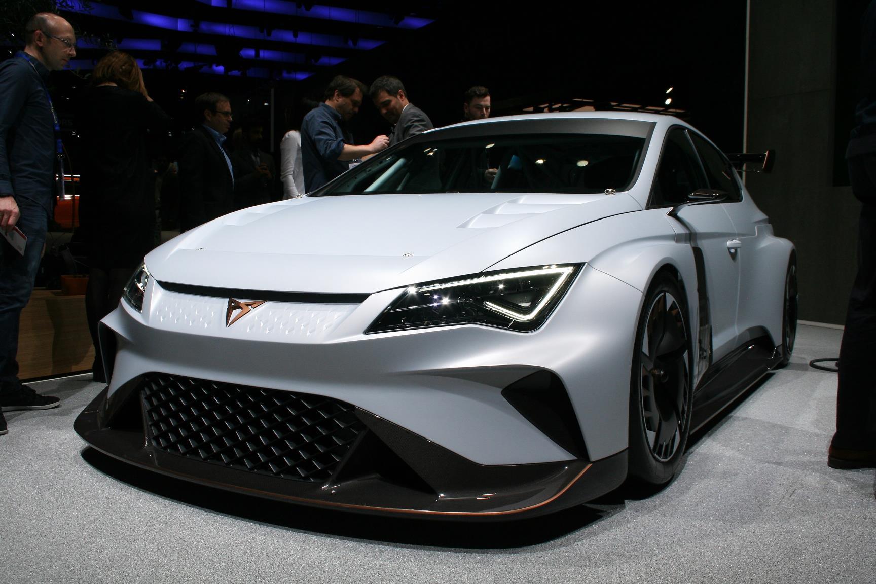 Geneva Motor Show 2018 Mega Gallery Part 1 (82)