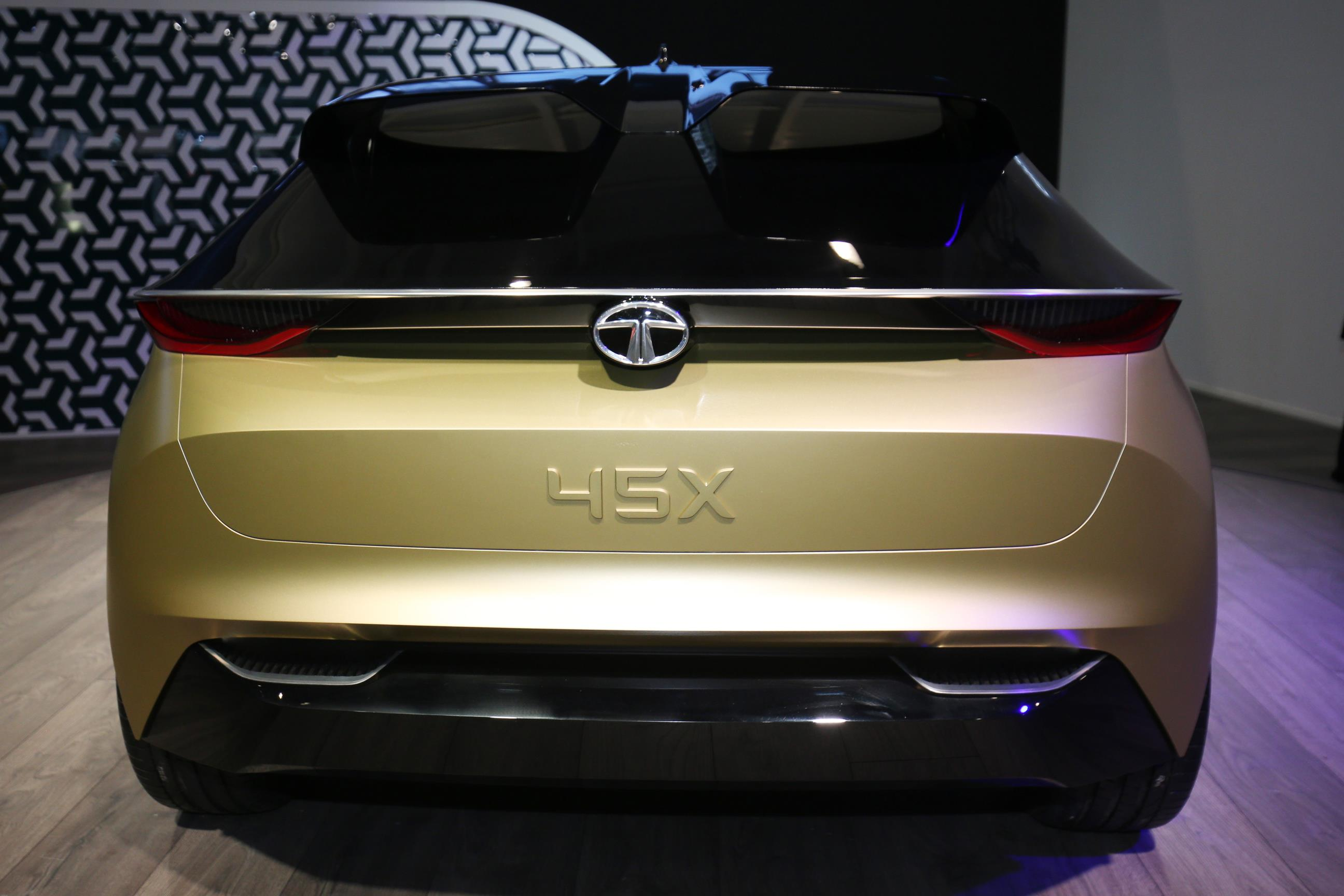 Geneva Motor Show 2018 Mega Gallery Part 2 (177)