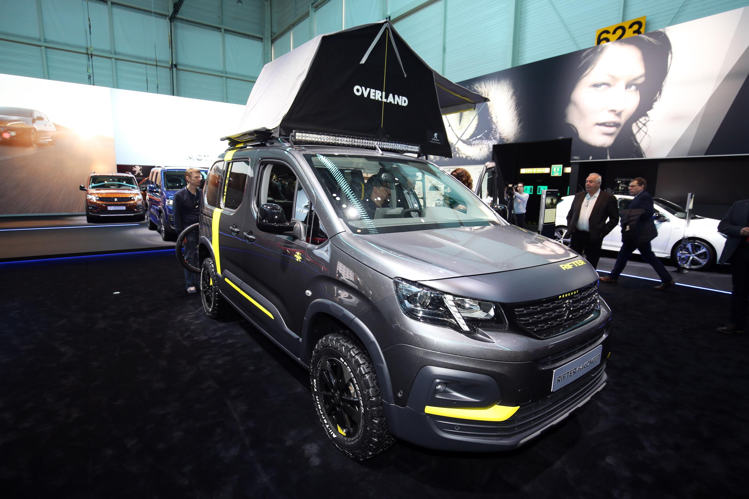 Geneva Motor Show 2018 Mega Gallery Part 2 (275)