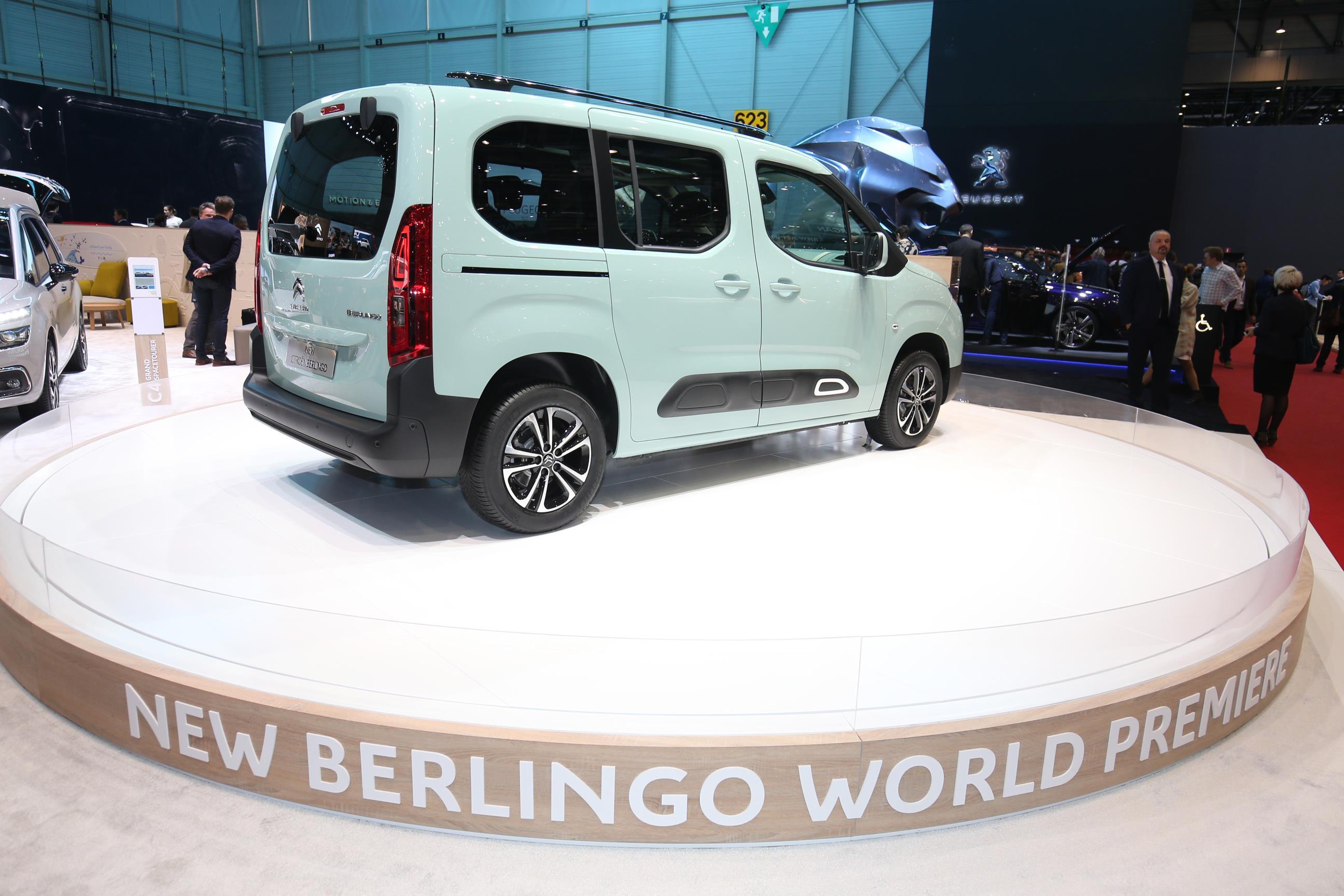 Geneva Motor Show 2018 Mega Gallery Part 2 (327)