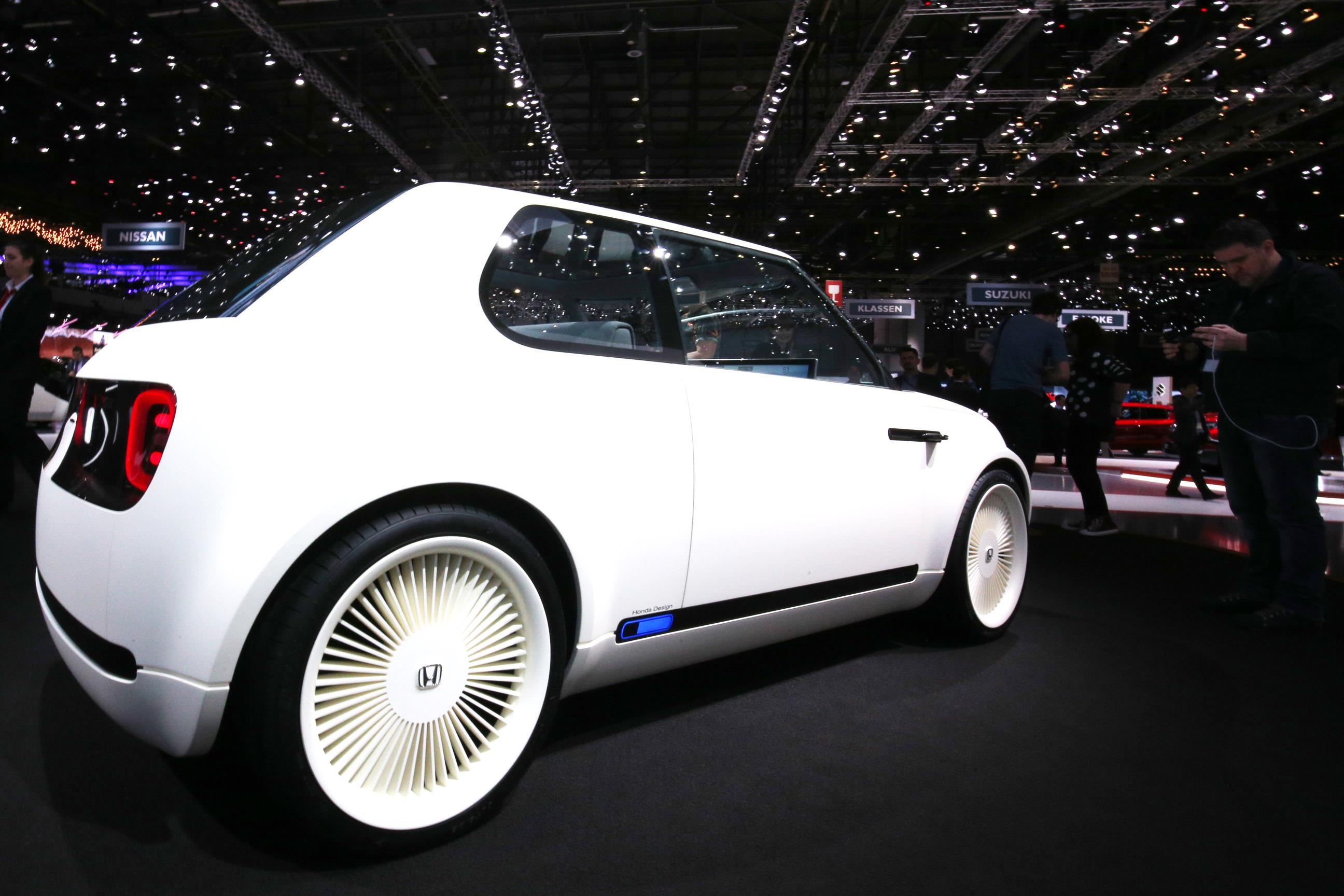 Geneva Motor Show 2018 Mega Gallery Part 2 (374)