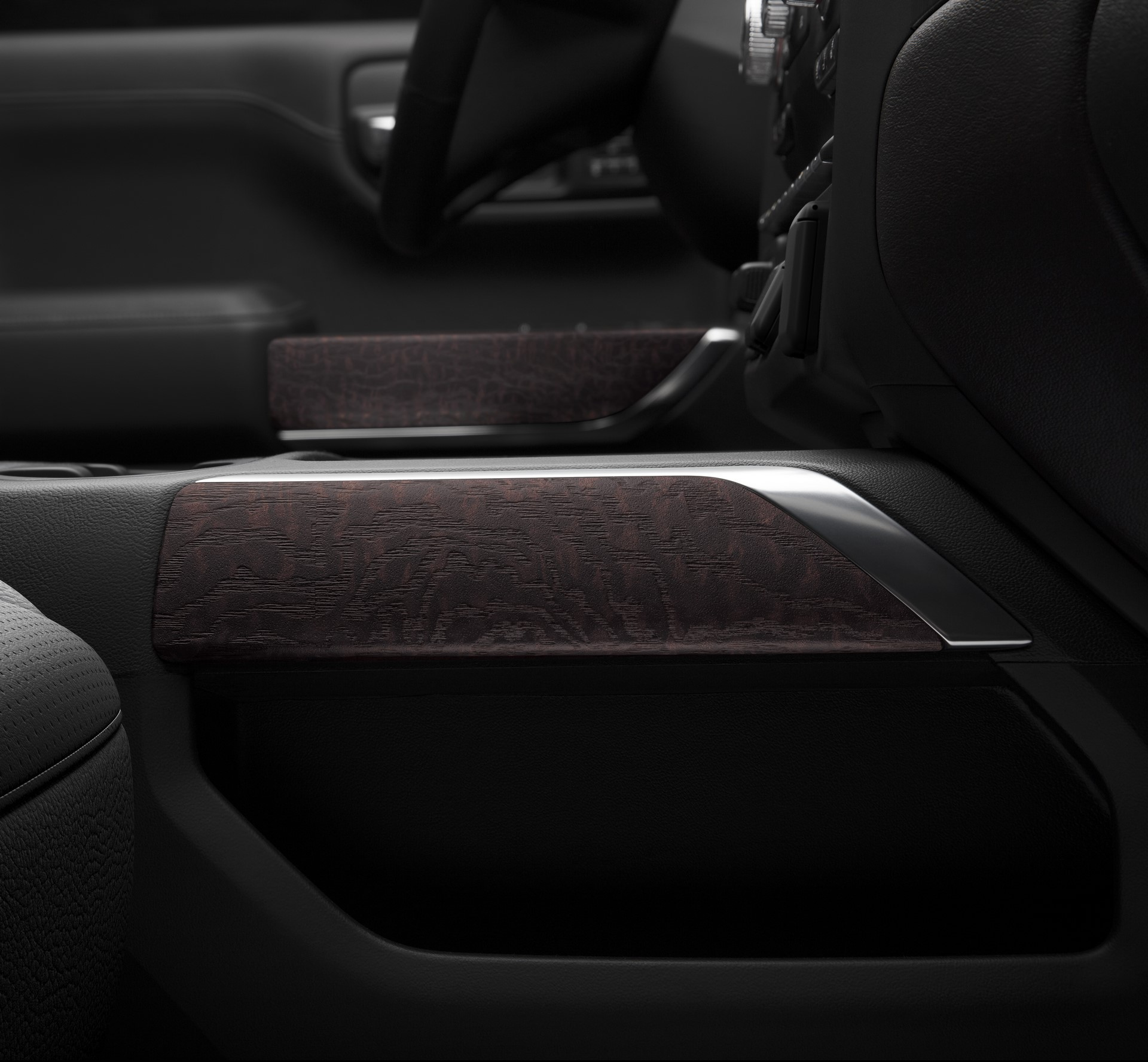 2019 GMC Sierra Denali authentic open-pore wood trim