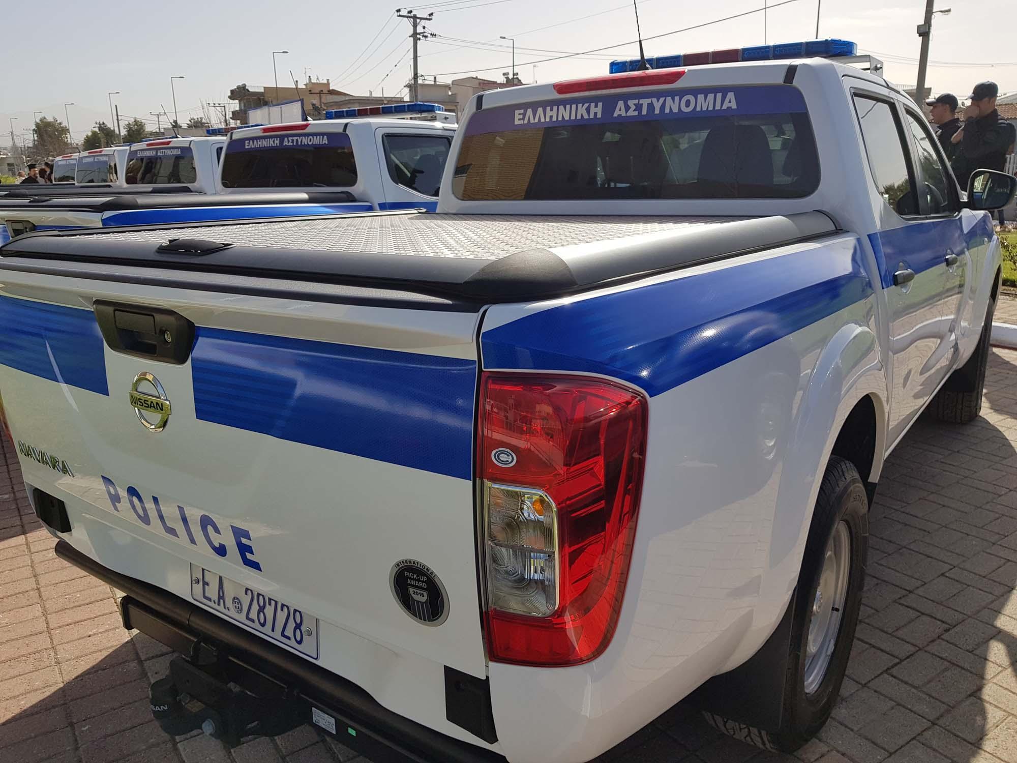 Greek_Police_Nissan_Navara_0002