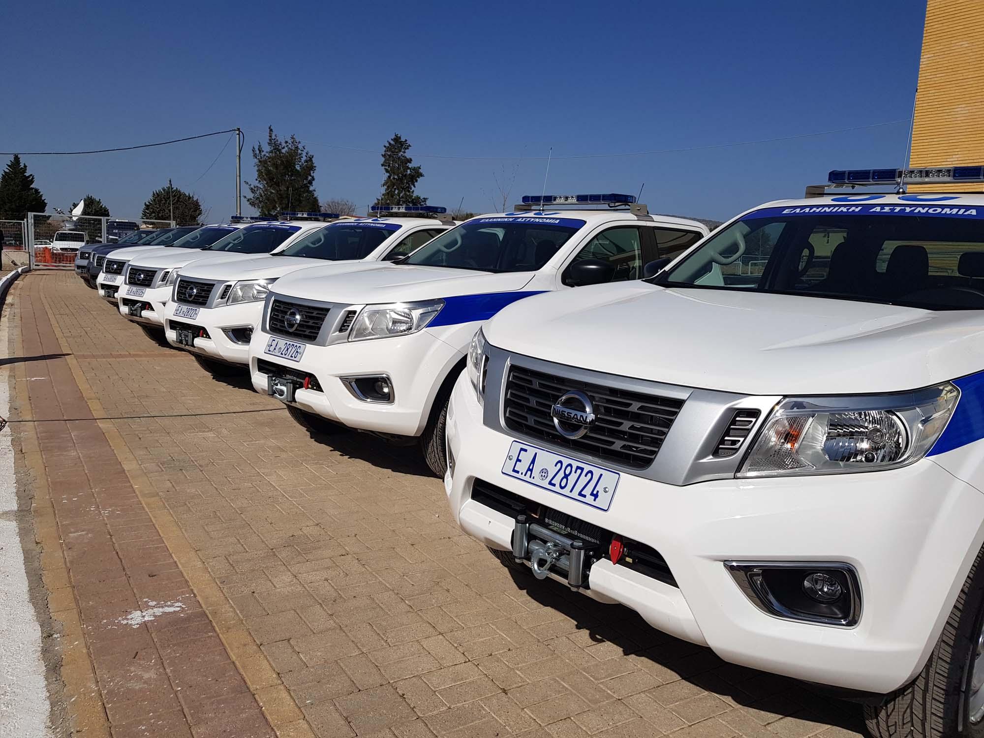 Greek_Police_Nissan_Navara_0003