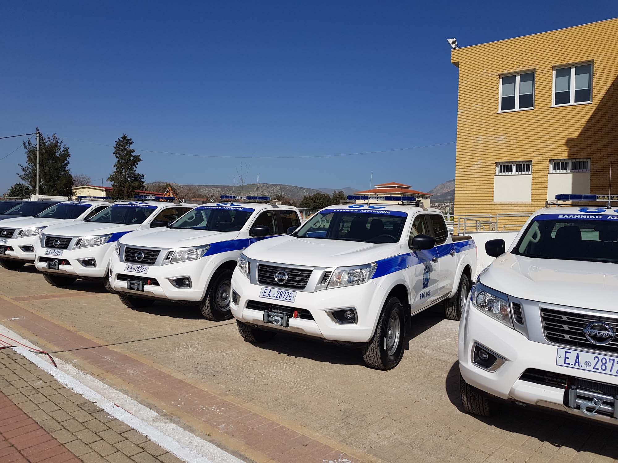 Greek_Police_Nissan_Navara_0004