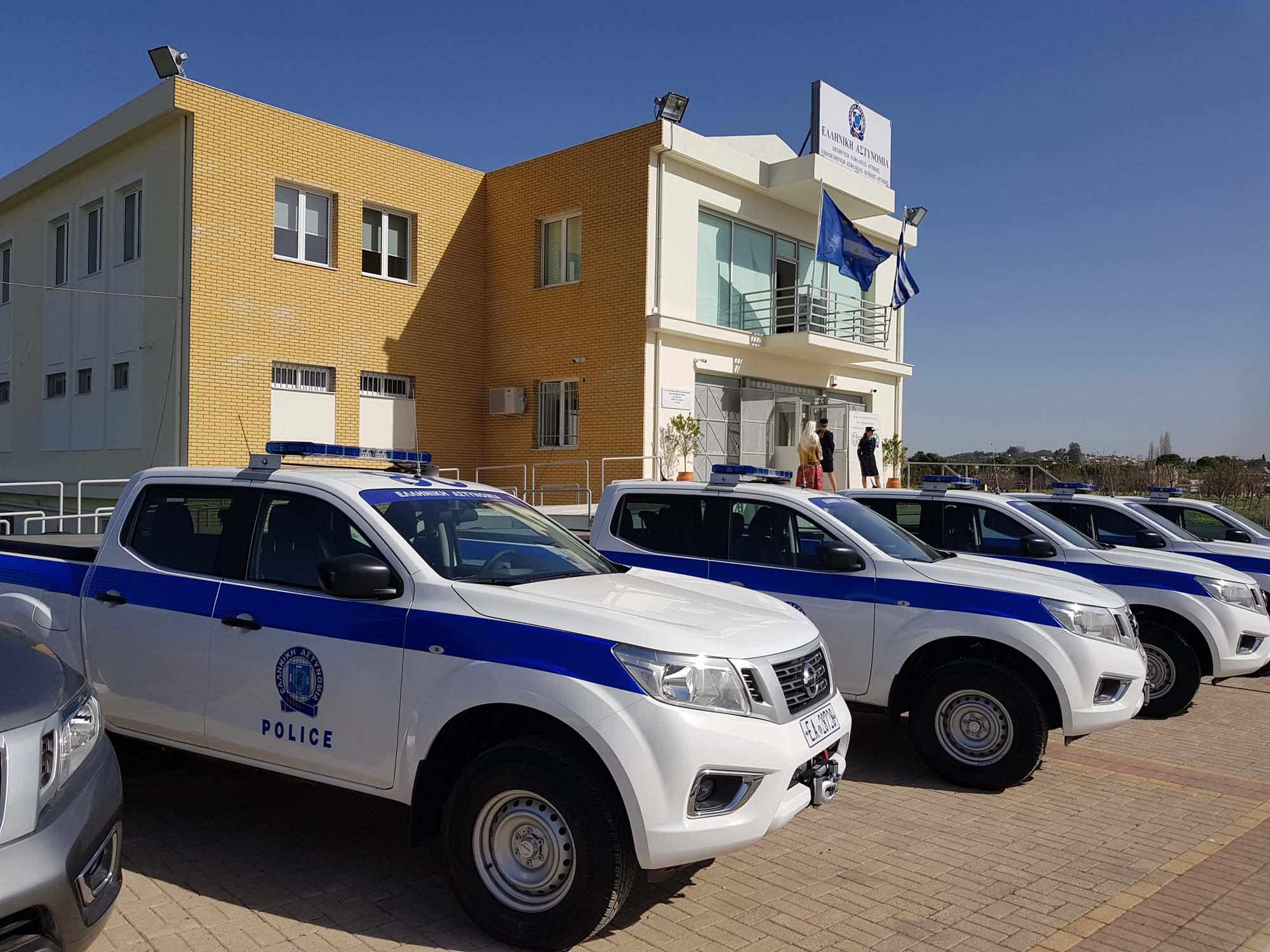 Greek_Police_Nissan_Navara_0005