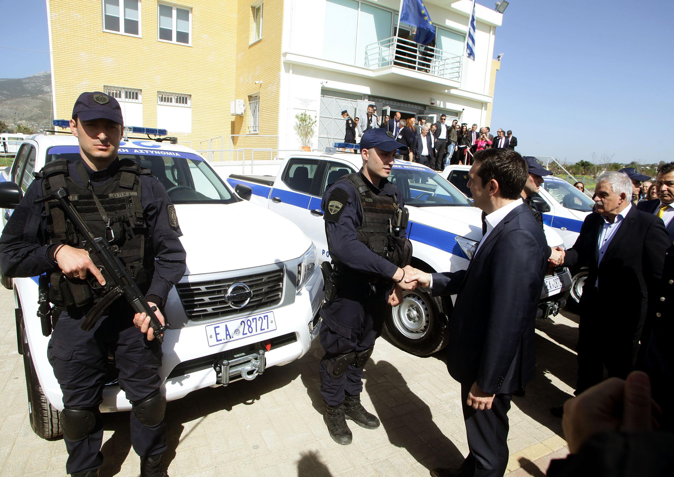 Greek_Police_Nissan_Navara_0007