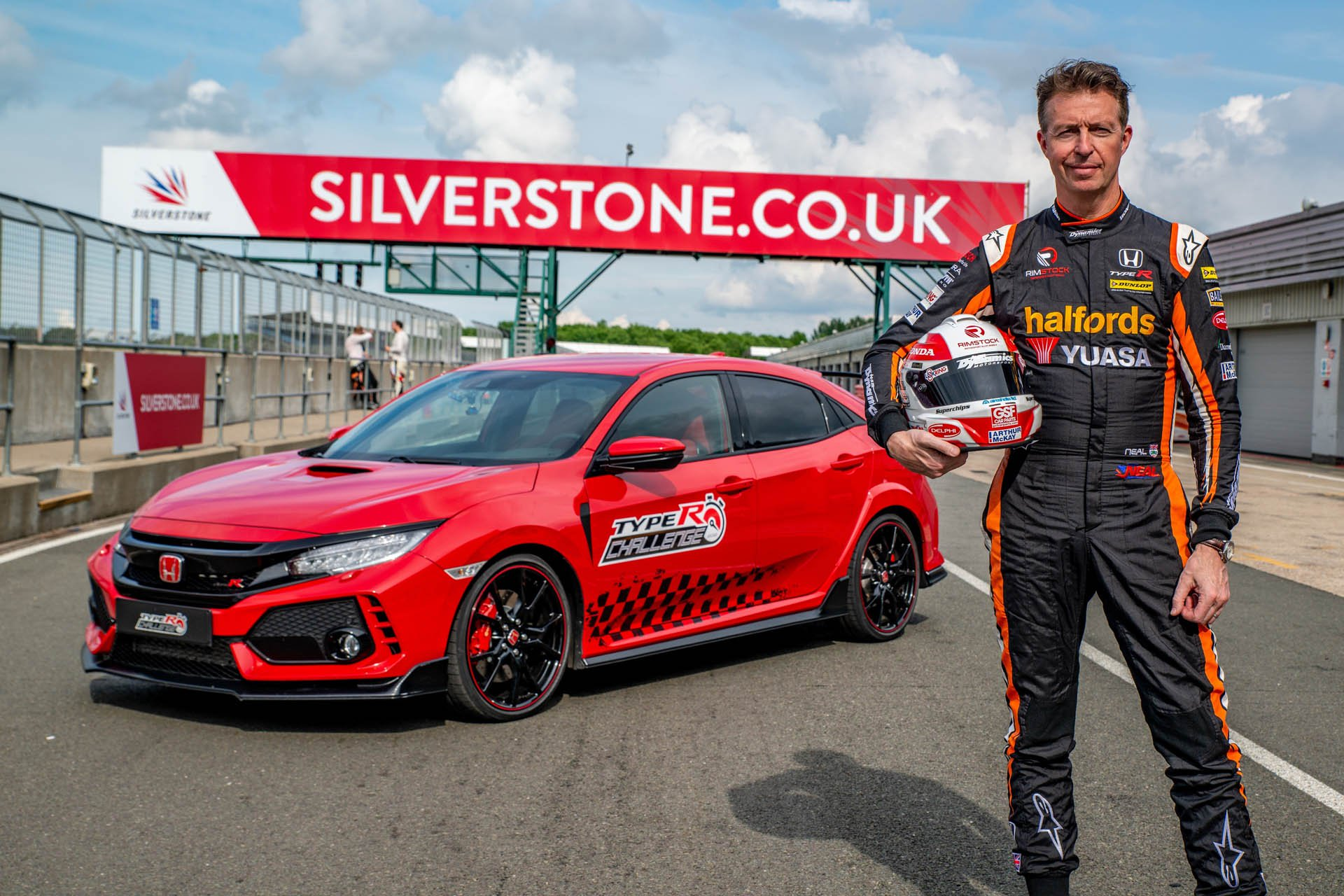 Honda Civic Type R Silverstone Record (2)