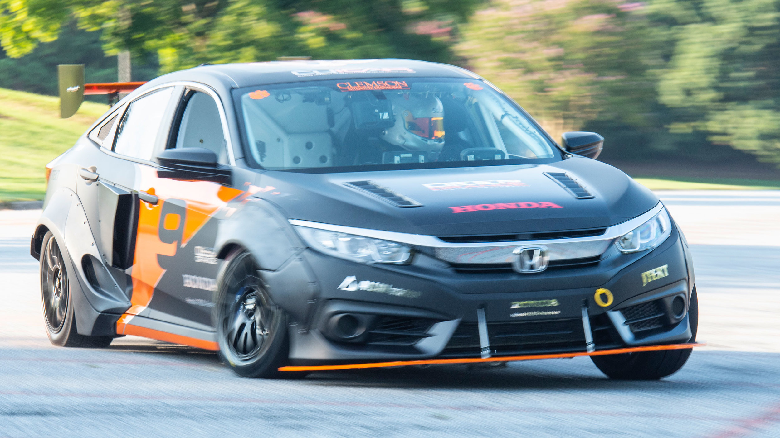 Honda Civic with hybrid powertrain by Clemson University (7)