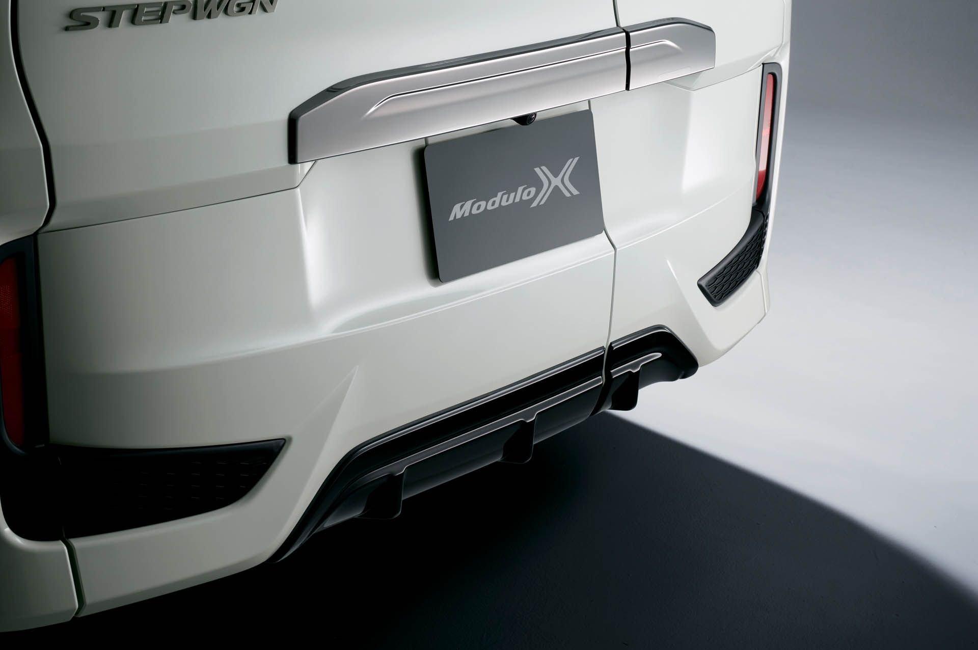 Honda_ Step_WGN_Modulo_X_0002