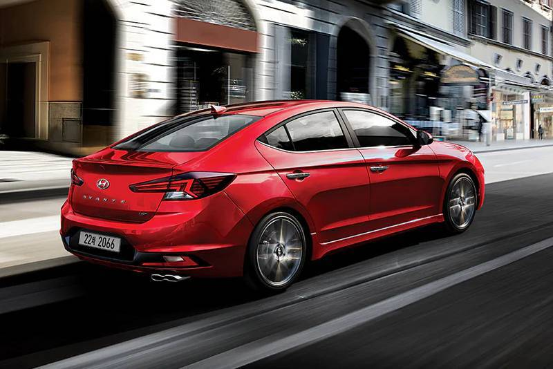 Hyundai_Avante_Sport_0004