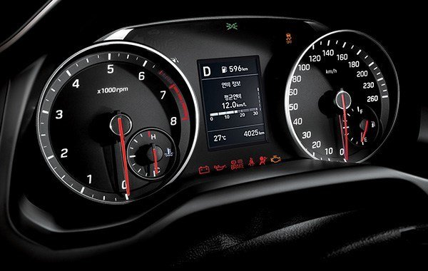 Hyundai_Avante_Sport_0008