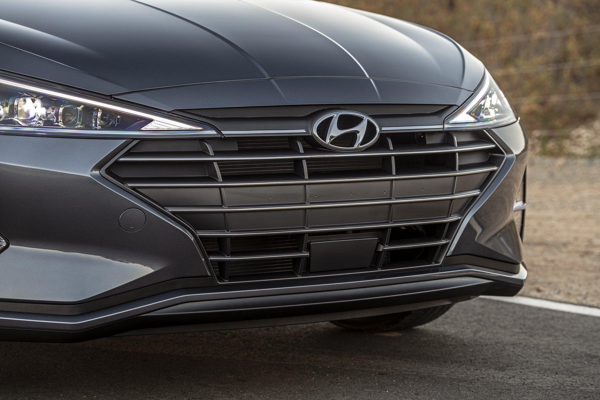 Hyundai Elantra 2019 (10)