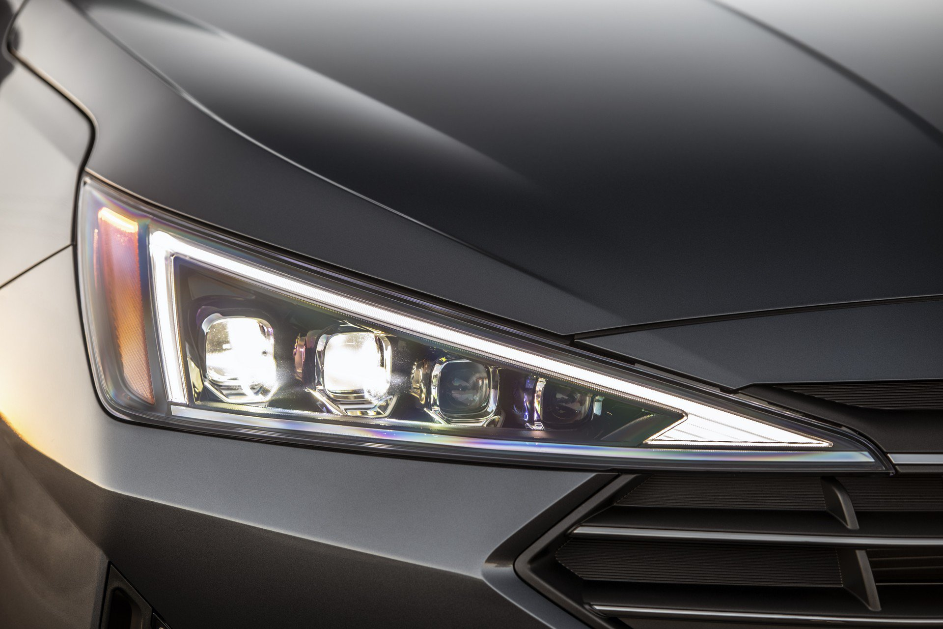 Hyundai Elantra 2019 (11)