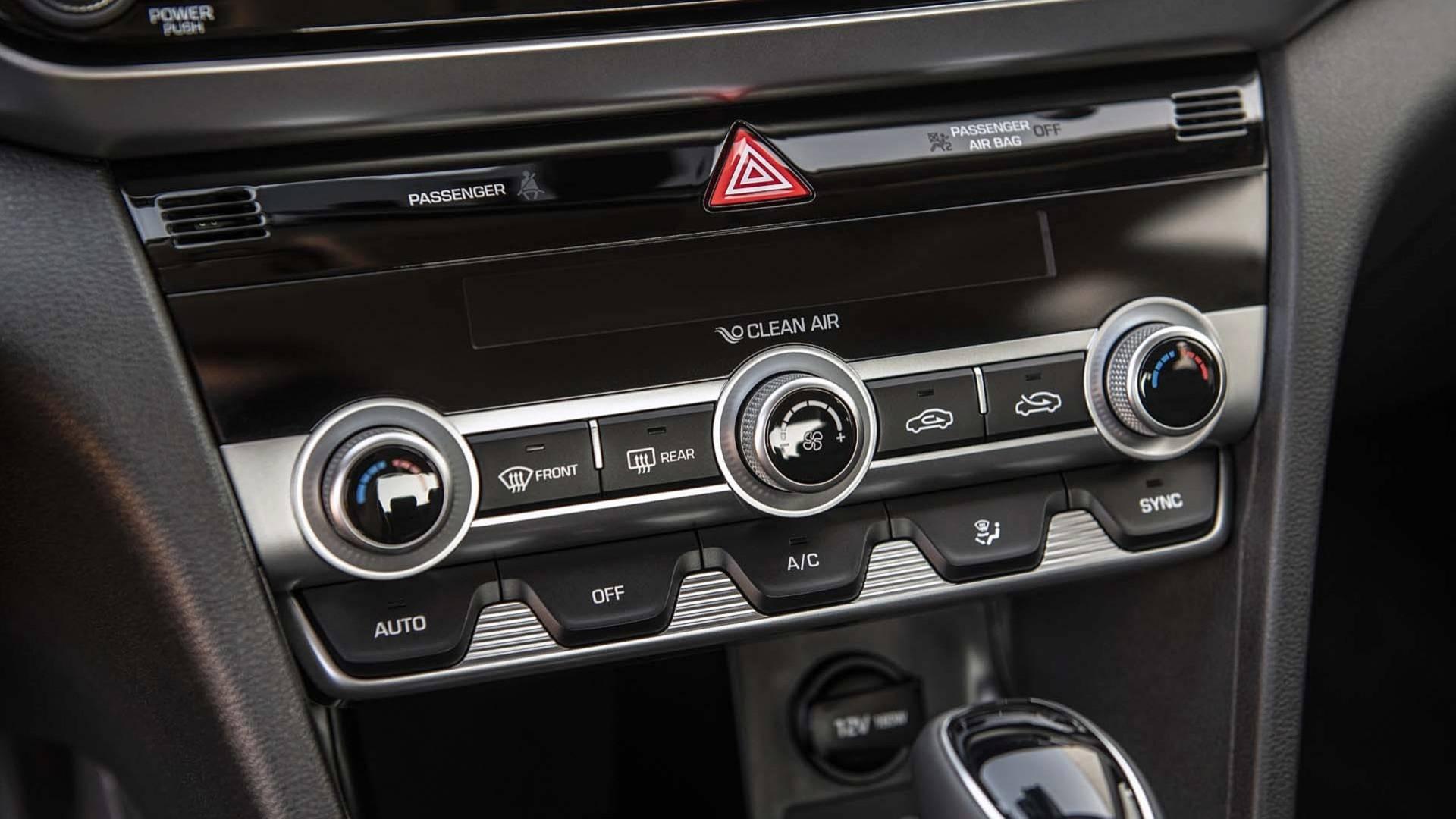 Hyundai Elantra 2019 (29)
