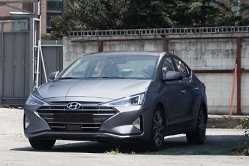 Hyundai Elantra facelift 2019 first photos (1)