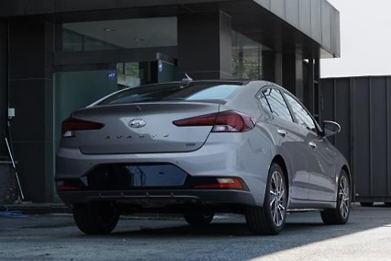 Hyundai Elantra facelift 2019 first photos (2)