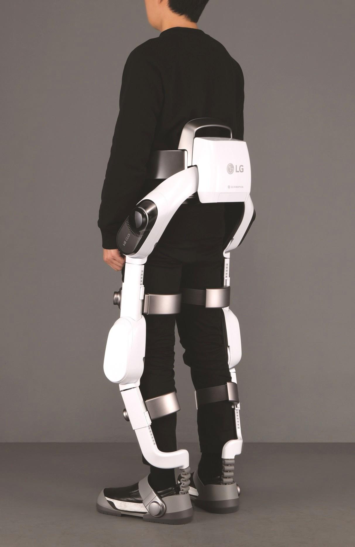 Hyundai_exoskeletons_0002