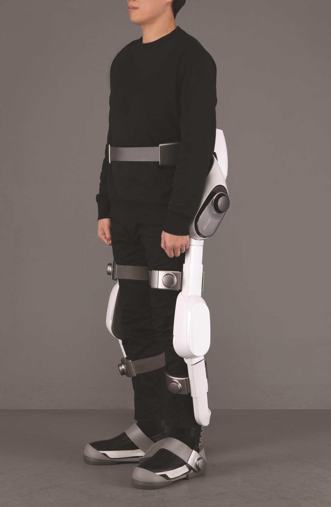 Hyundai_exoskeletons_0003