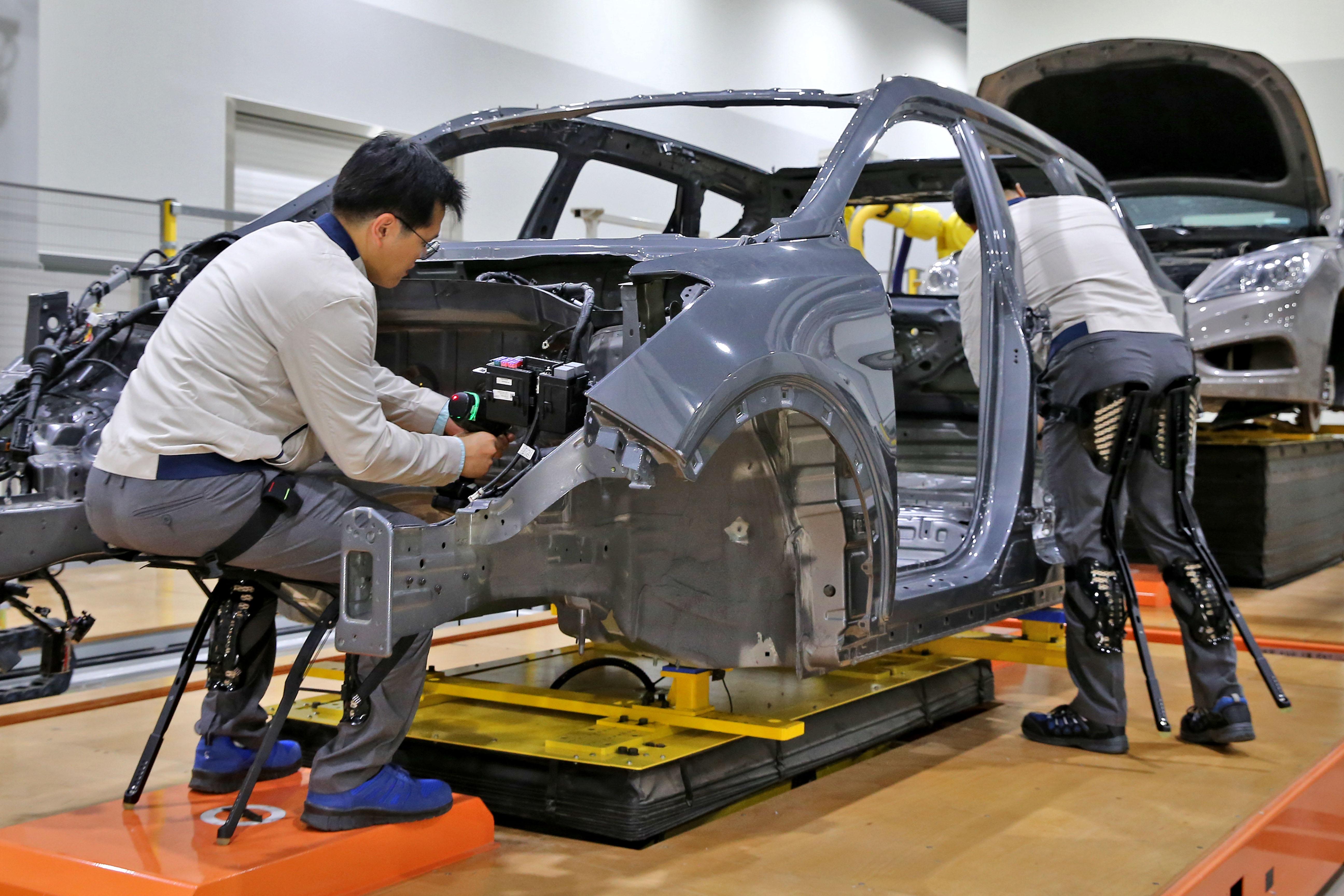 Hyundai_exoskeletons_0004
