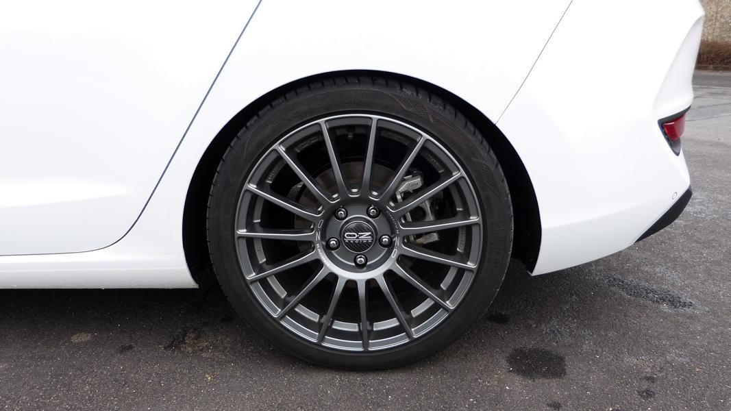 Hyundai_i30_Fastback_Boes_Motorsport_0004