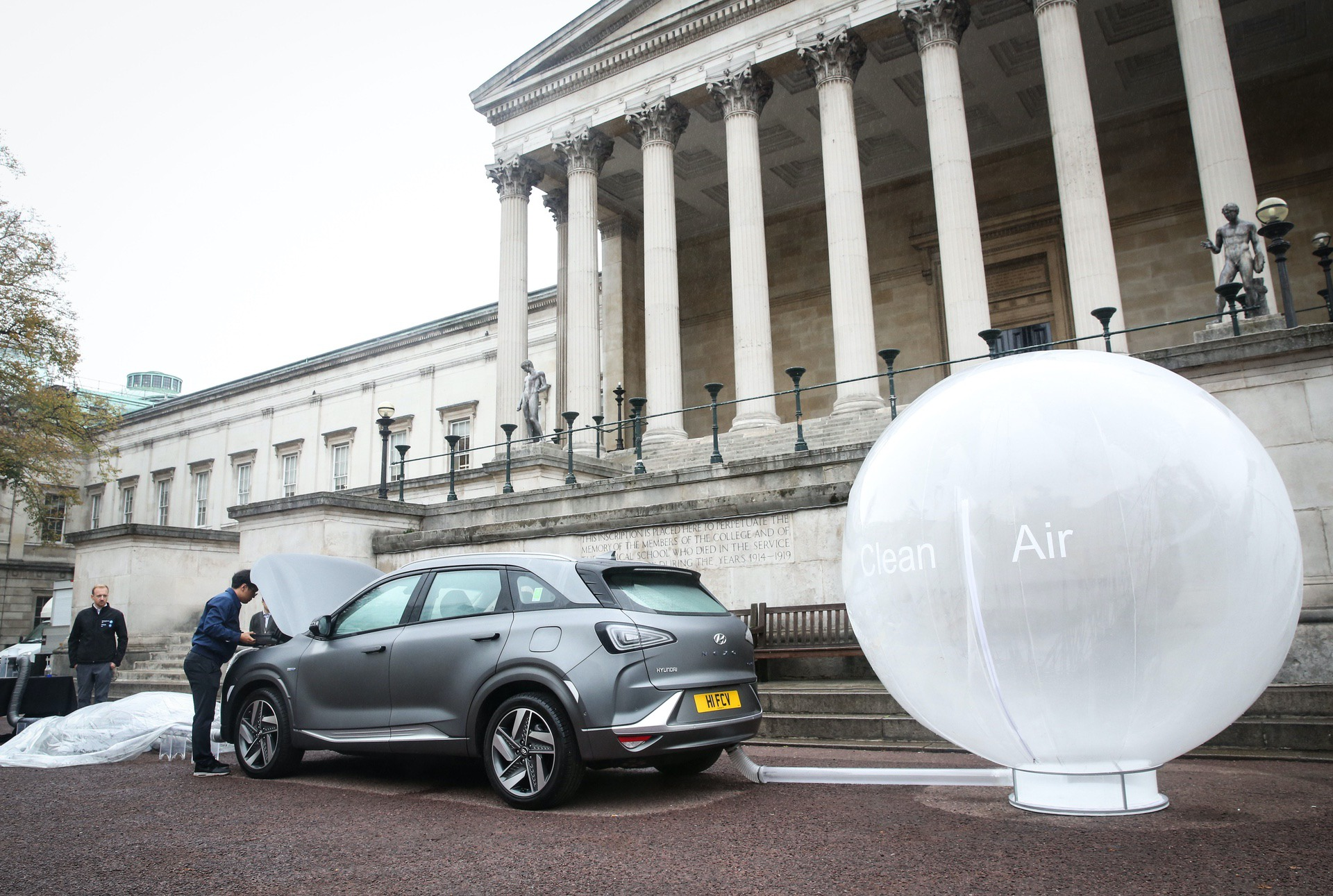 EDITORIAL USE ONLY A 'clean air' demonstration, which shows Hyundai's new hydrogen fuel cell car – the NEXO, cleaning the air of pollutants takes place at UCL in London, following analysis by the university that mapped out the capital's most polluted route. PRESS ASSOCIATION Photo. Picture date: Wednesday October 17, 2018. Photo credit should read: Matt Alexander/PA Wire