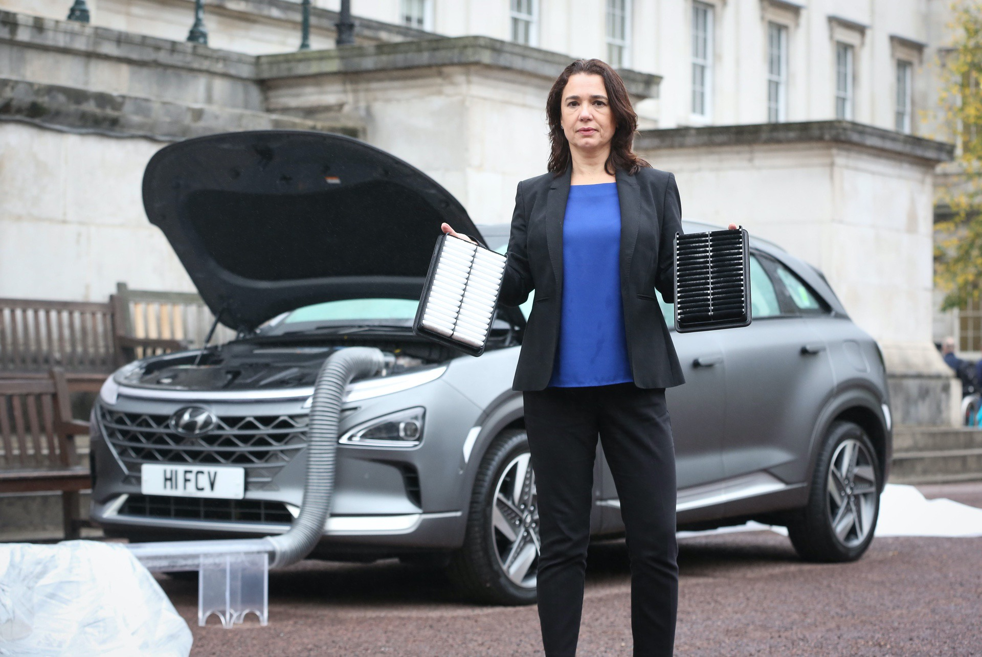 IN PHOTO - Sylvie Childs (Senior Product Manager at Hyundai EDITORIAL USE ONLY A 'clean air' demonstration, which shows Hyundai's new hydrogen fuel cell car – the NEXO, cleaning the air of pollutants takes place at UCL in London, following analysis by the university that mapped out the capital's most polluted route. PRESS ASSOCIATION Photo. Picture date: Wednesday October 17, 2018. Photo credit should read: Matt Alexander/PA Wire