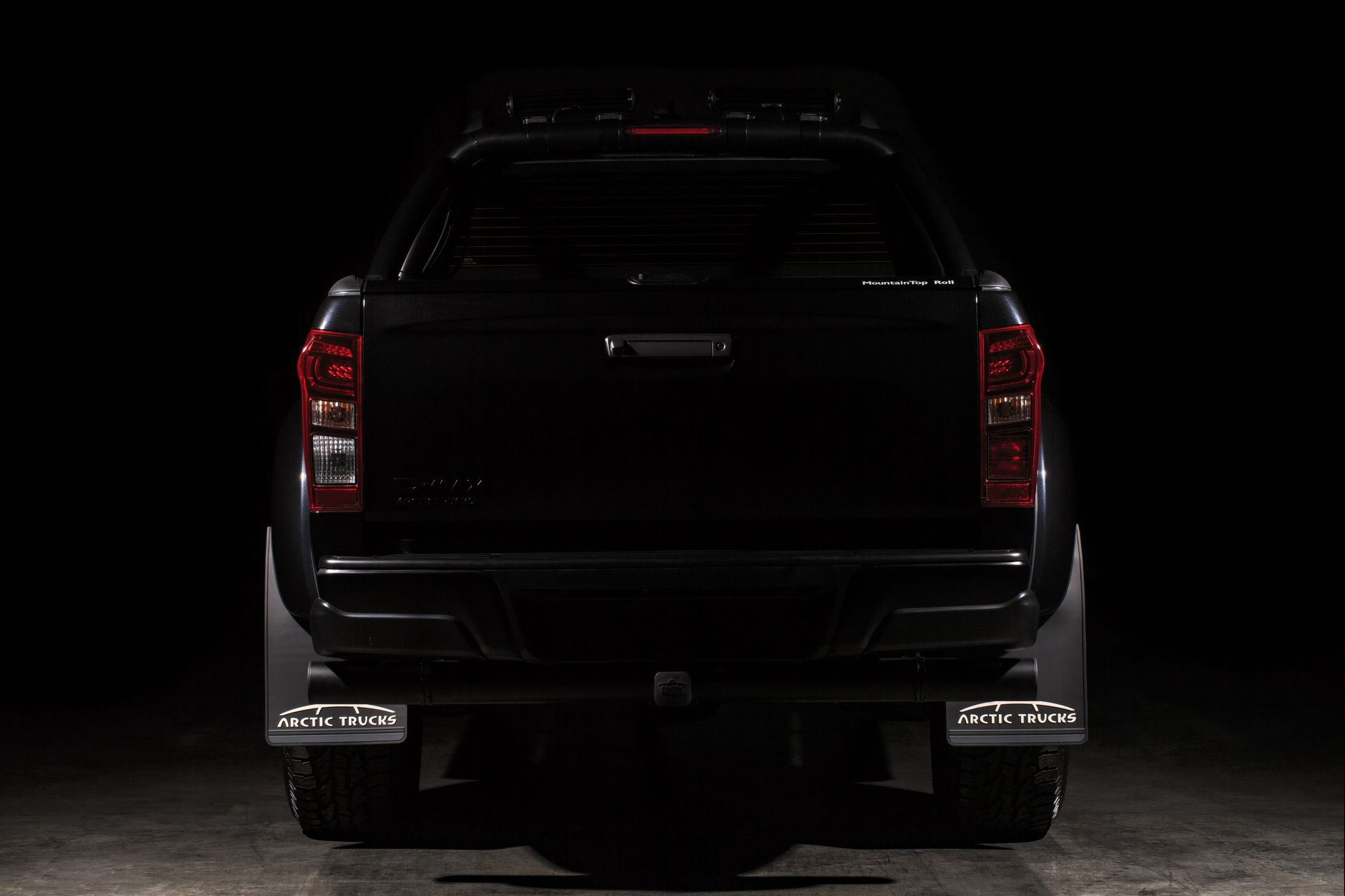 Isuzu_D-MAX_Arctic_Trucks_AT35_Stealth_edition_0002