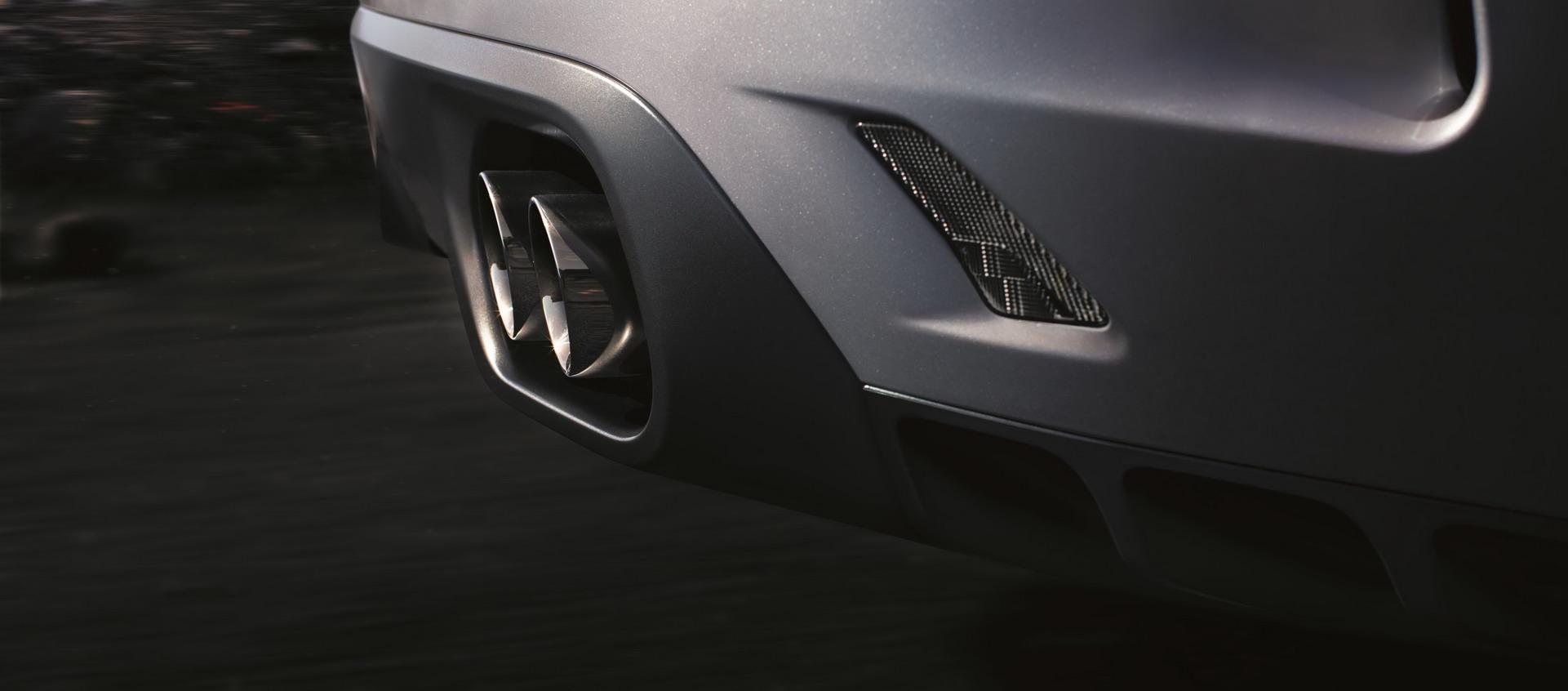 Jaguar F-Pace SVR 2018 (16)