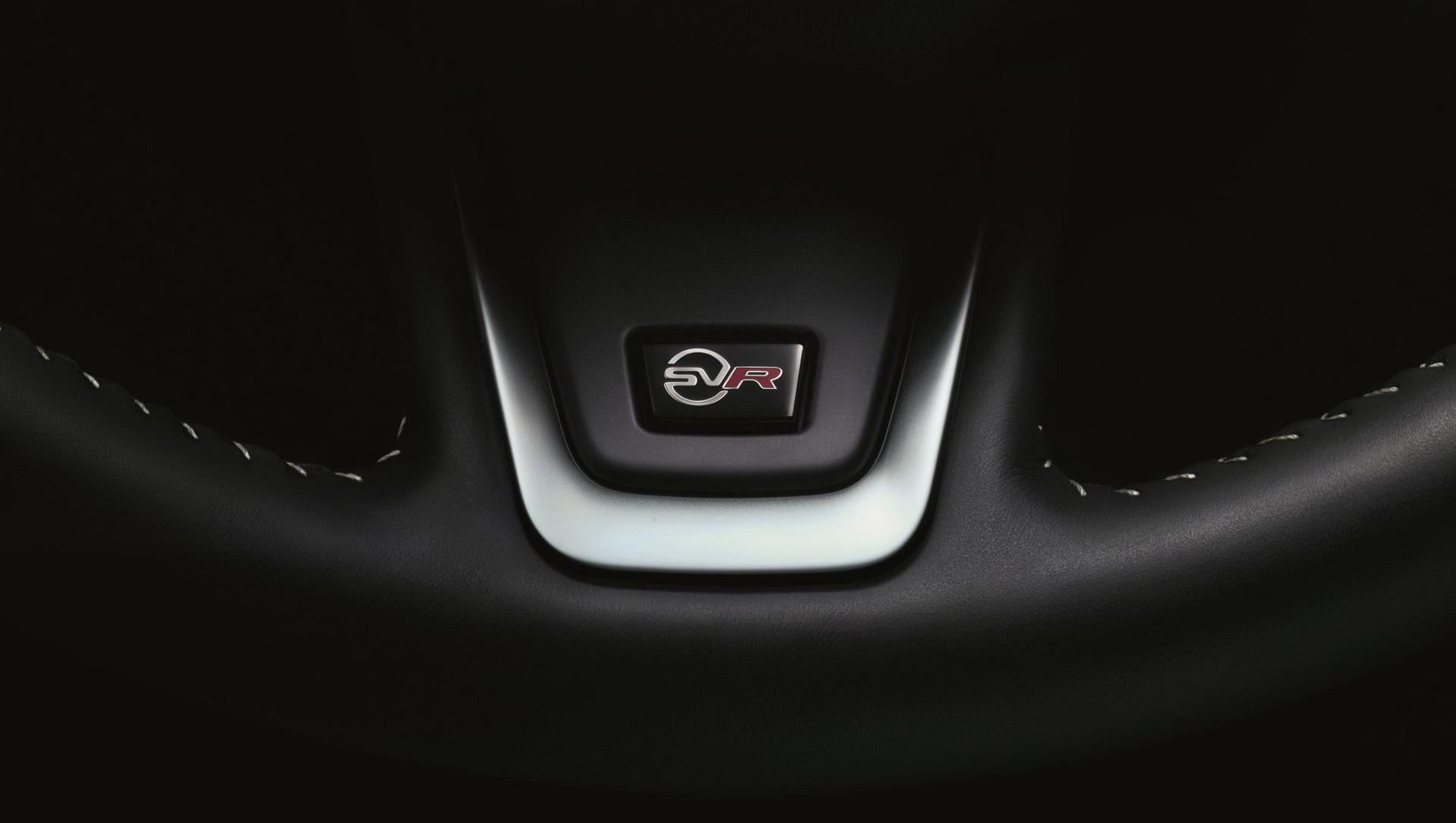 Jaguar F-Pace SVR 2018 (24)