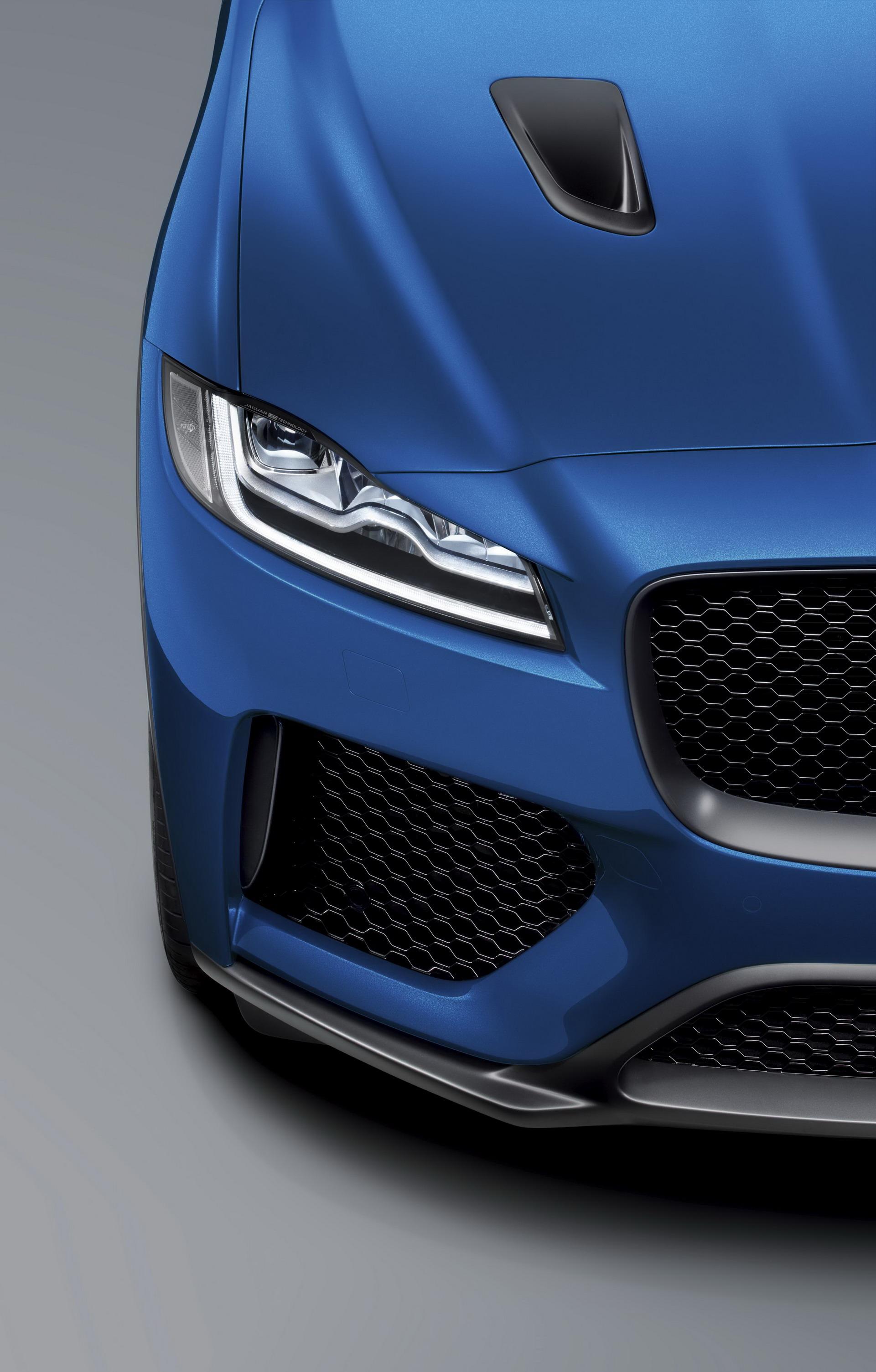 Jaguar F-Pace SVR 2018 (25)