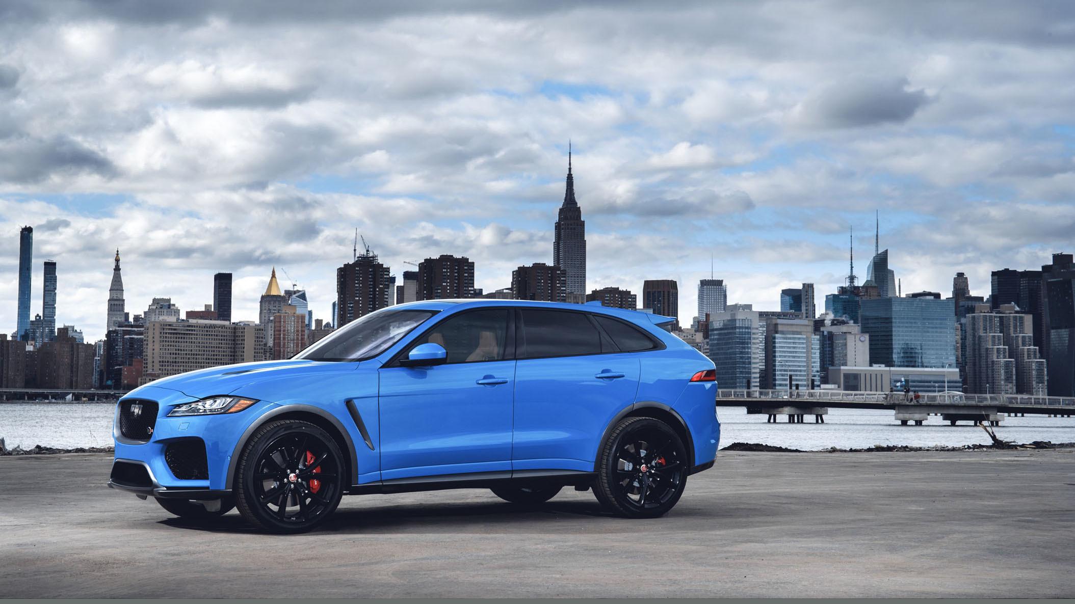 Jaguar F-Pace SVR 2018 (30)