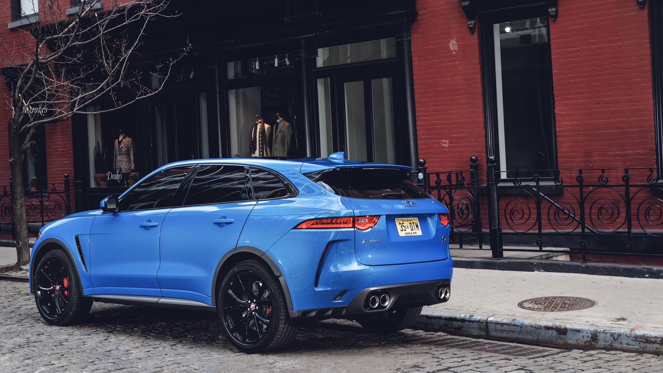 Jaguar F-Pace SVR 2018 (32)