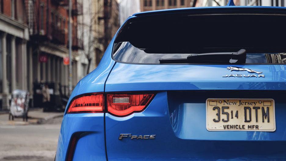 Jaguar F-Pace SVR 2018 (35)